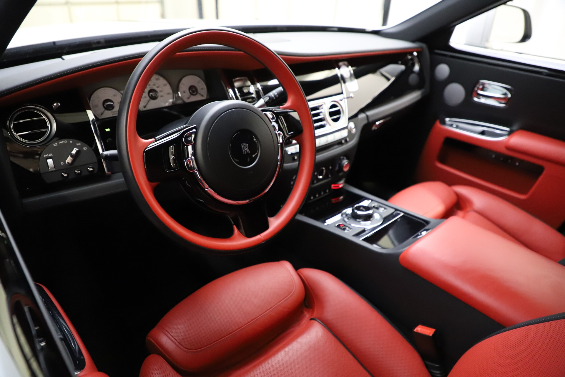 New 2017 Rolls-Royce Ghost  For Sale In Greenwich, CT 699_p16