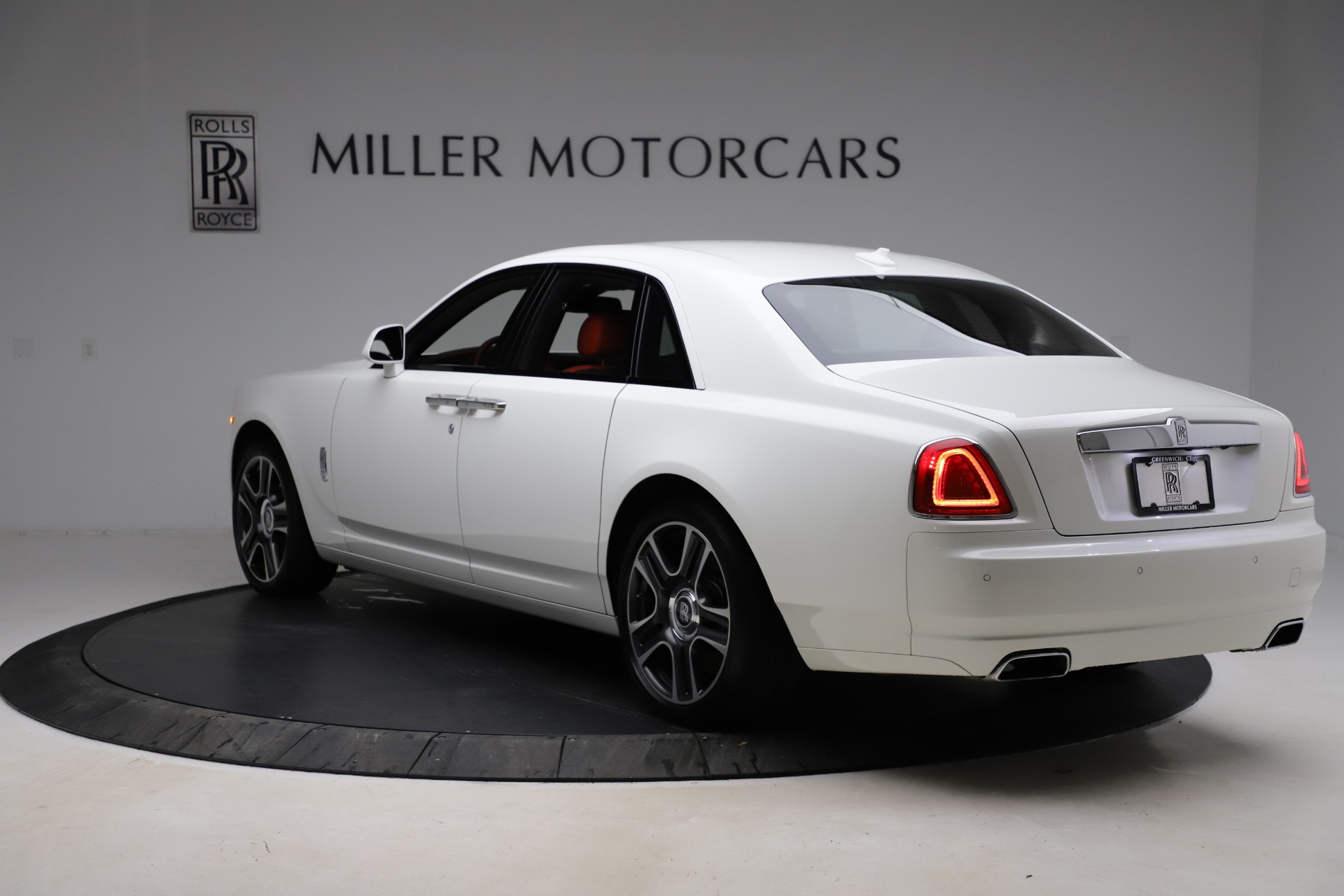 New 2017 Rolls-Royce Ghost  For Sale In Greenwich, CT 699_p6