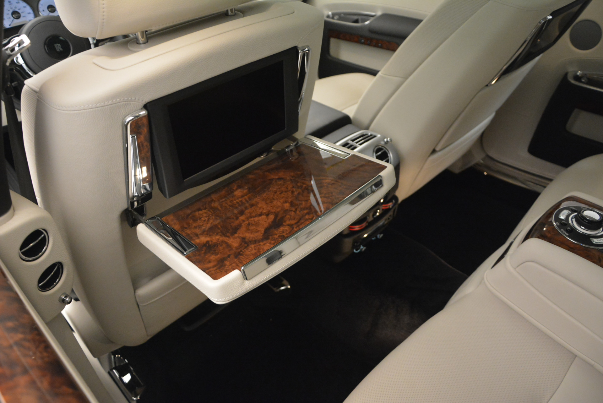 Used 2013 Rolls-Royce Ghost  For Sale In Greenwich, CT 702_p23