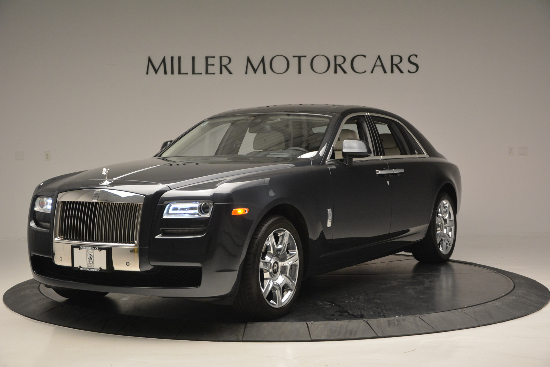 Used 2013 Rolls-Royce Ghost  For Sale In Greenwich, CT 702_p2