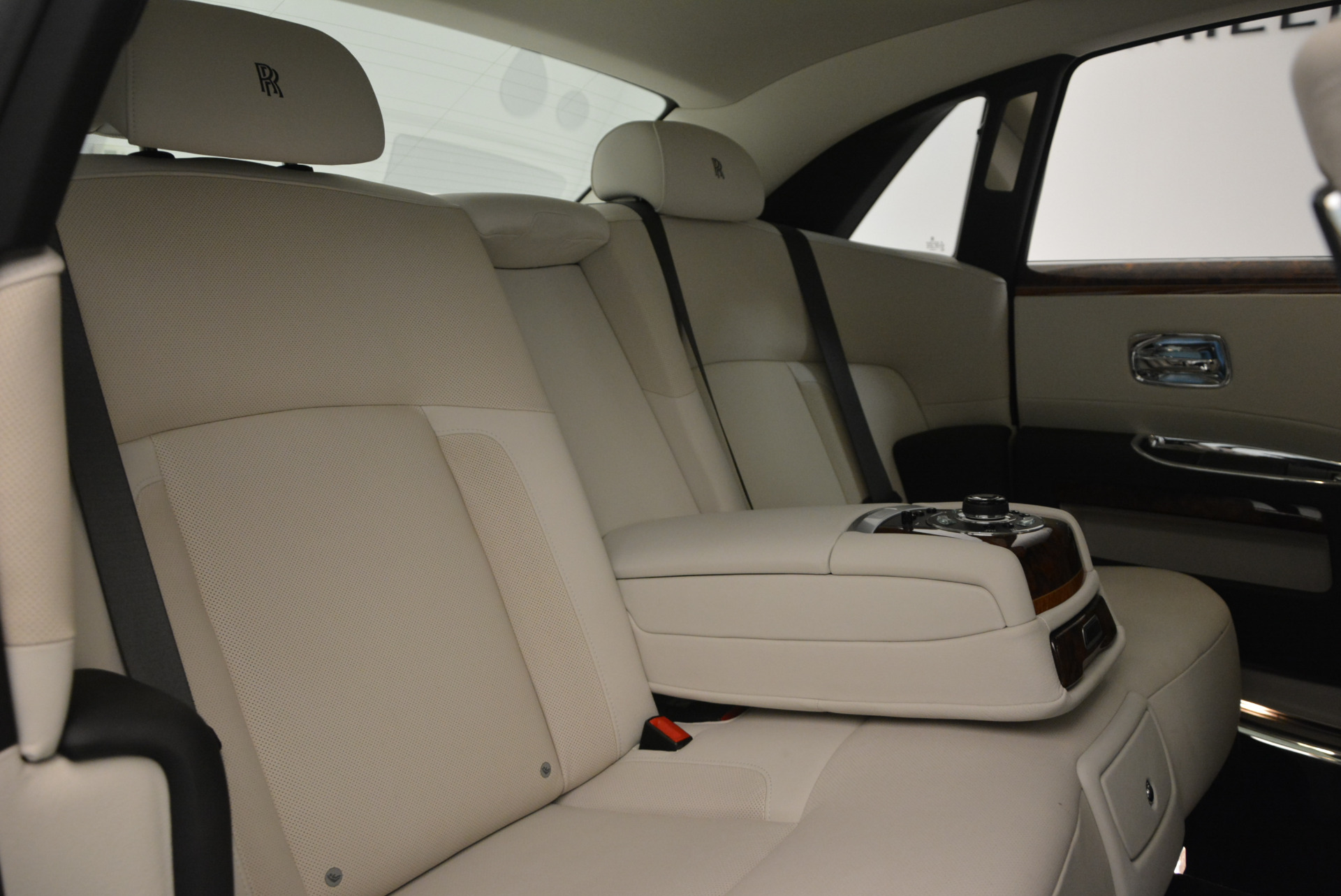 Used 2013 Rolls-Royce Ghost  For Sale In Greenwich, CT 702_p37