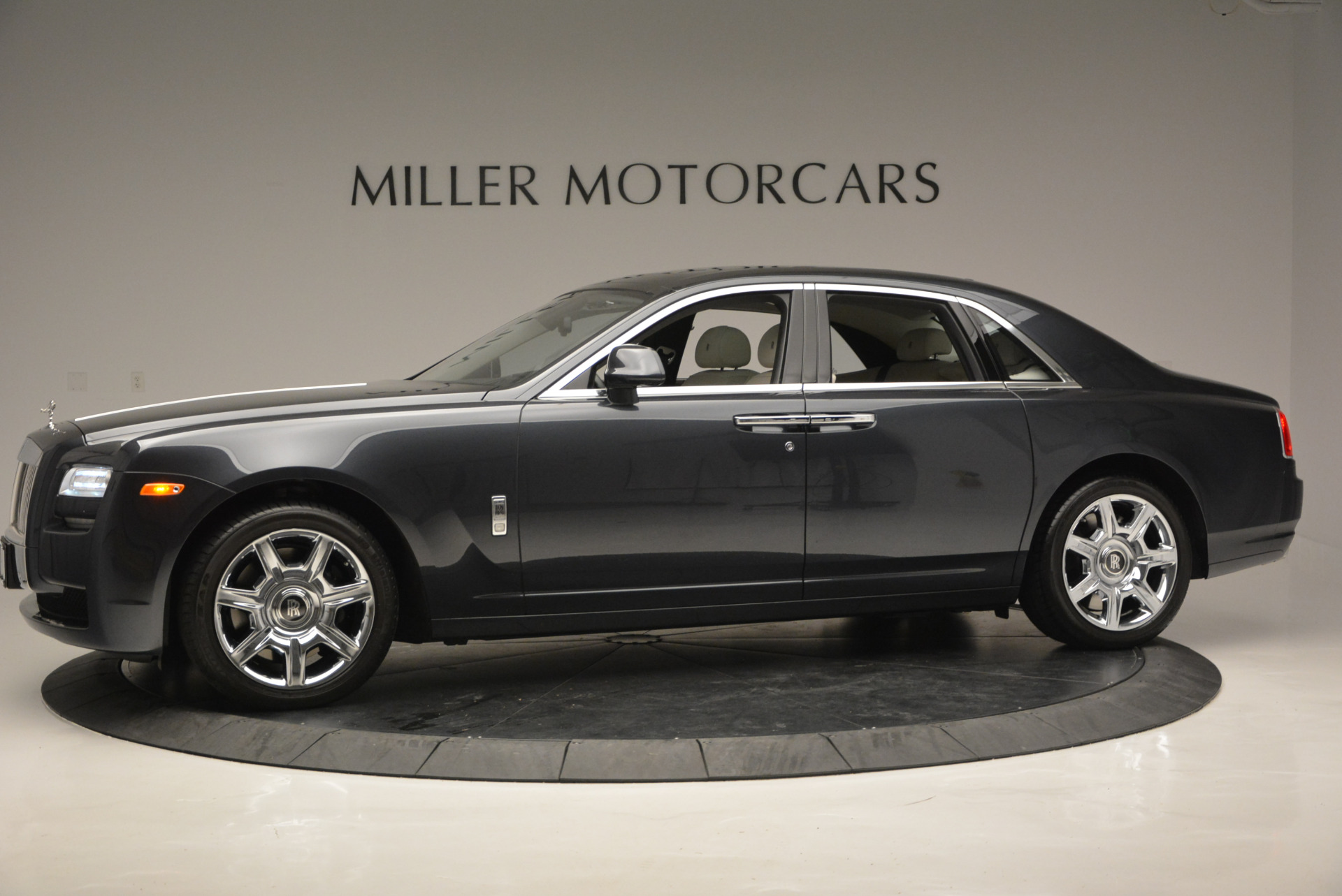 Used 2013 Rolls-Royce Ghost  For Sale In Greenwich, CT 702_p3