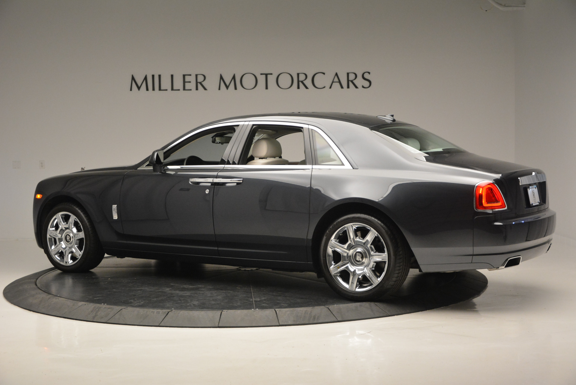Used 2013 Rolls-Royce Ghost  For Sale In Greenwich, CT 702_p5