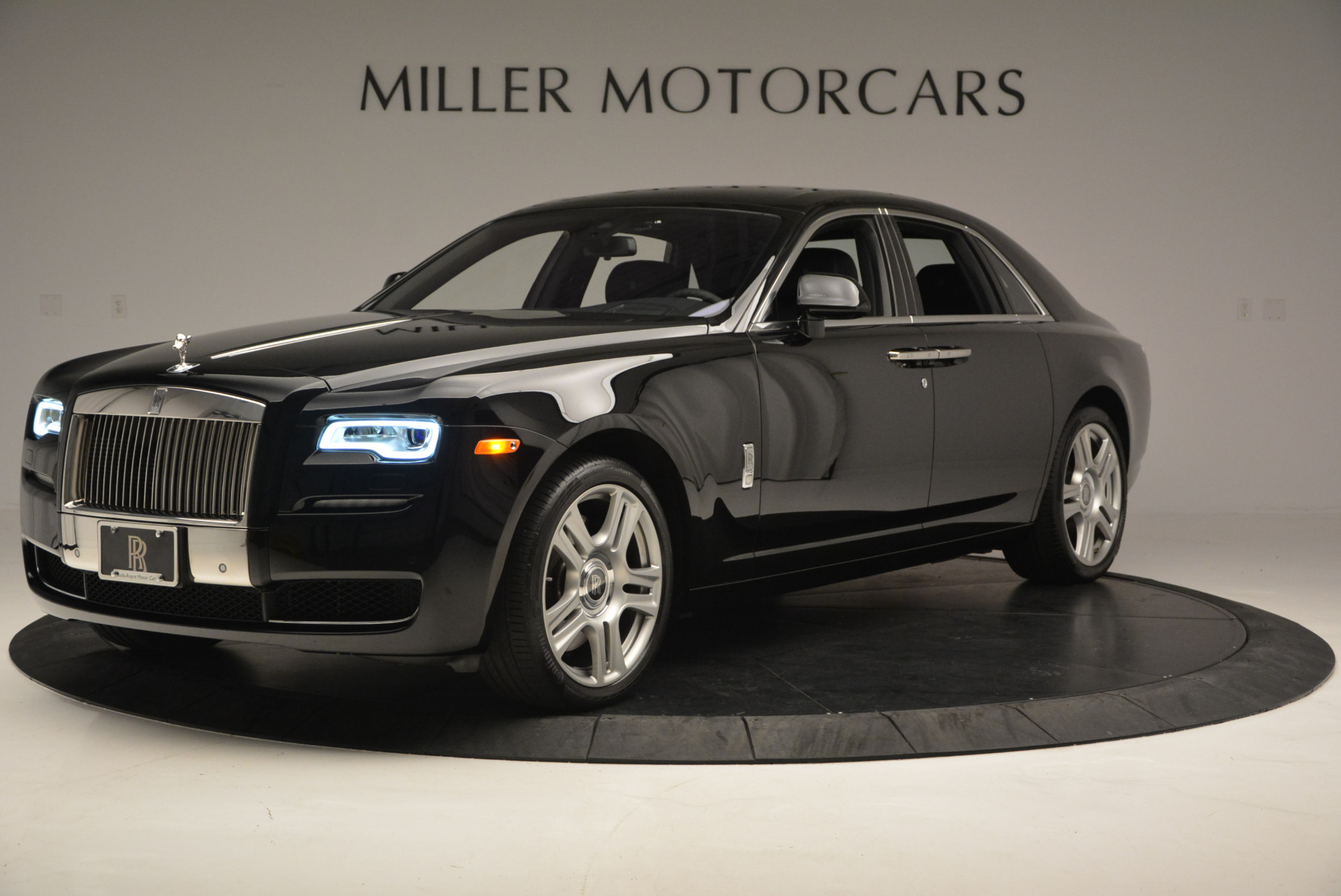 Used 2016 Rolls-Royce Ghost Series II  For Sale In Greenwich, CT 703_p2