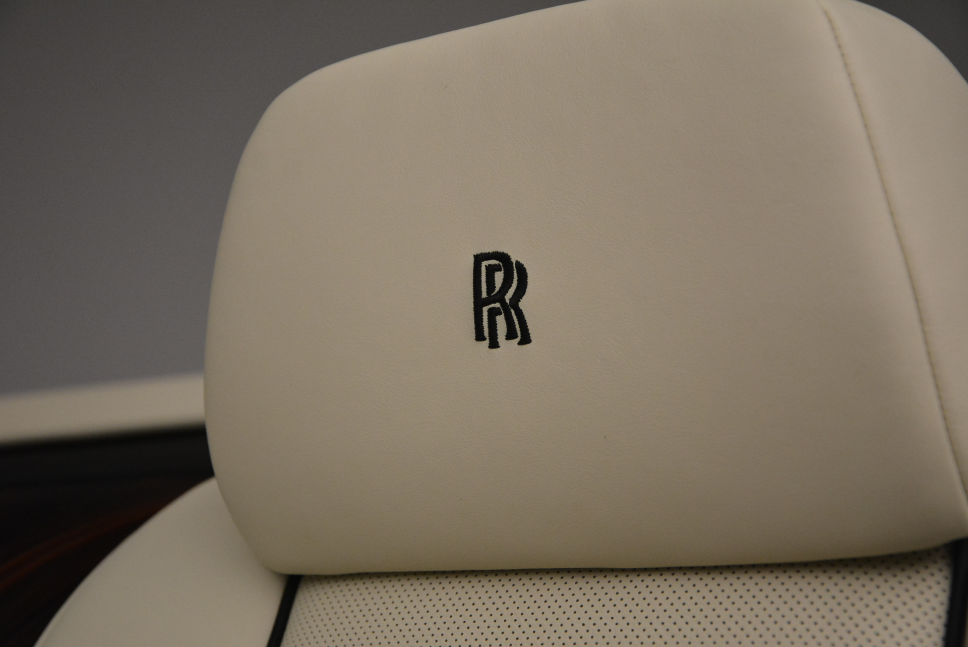New 2016 Rolls-Royce Dawn  For Sale In Greenwich, CT 704_p36