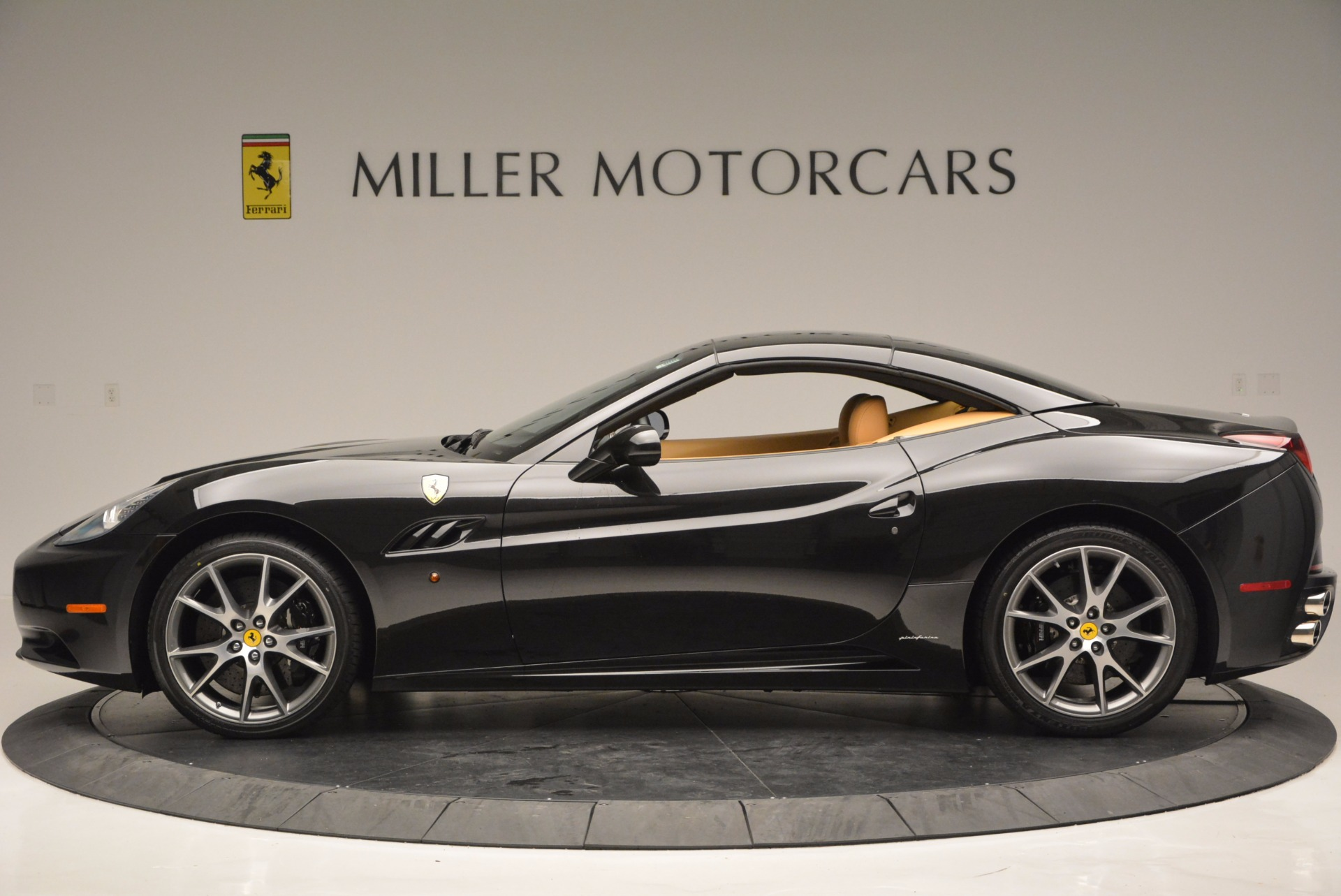 Used 2010 Ferrari California  For Sale In Greenwich, CT 705_p15
