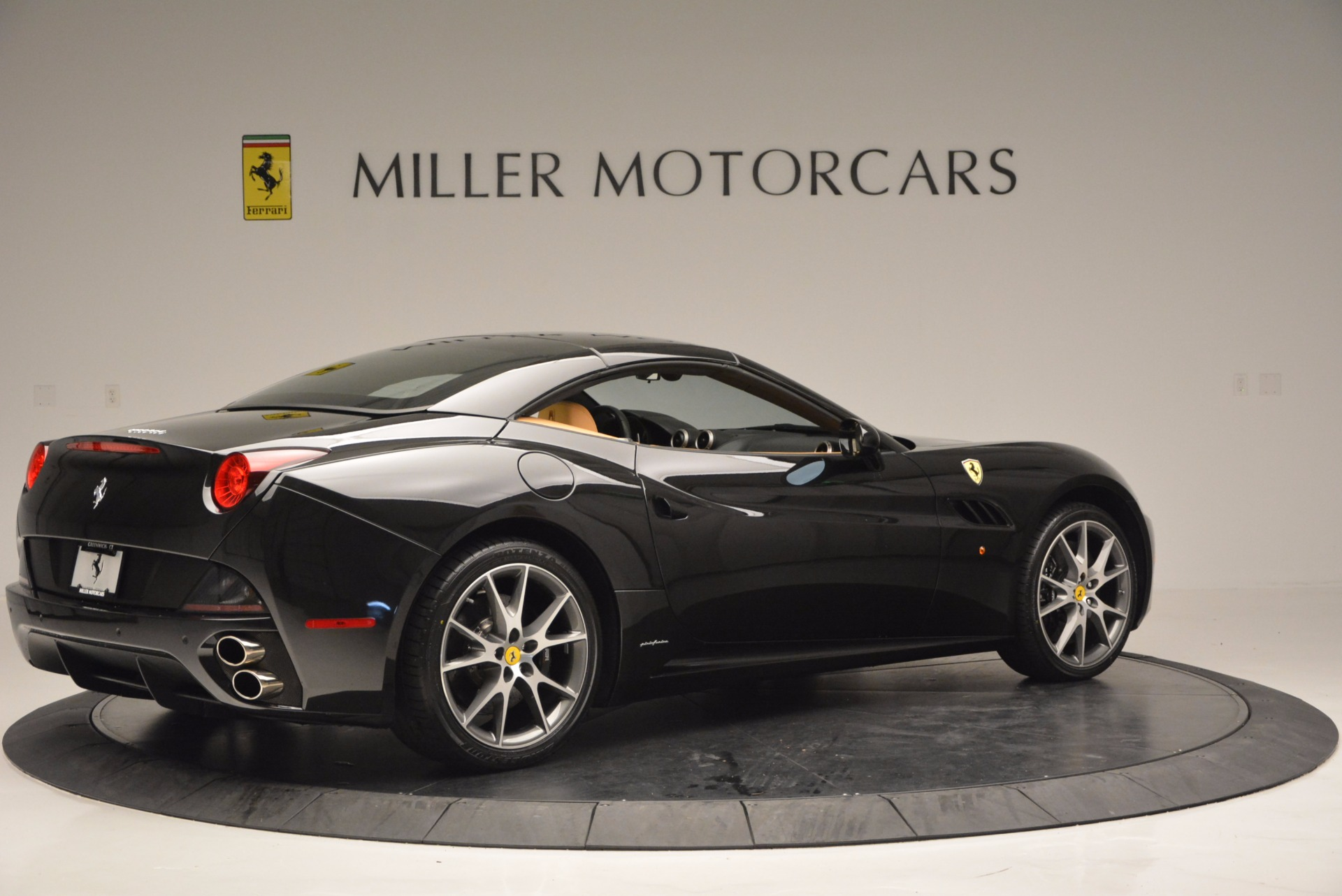 Used 2010 Ferrari California  For Sale In Greenwich, CT 705_p20