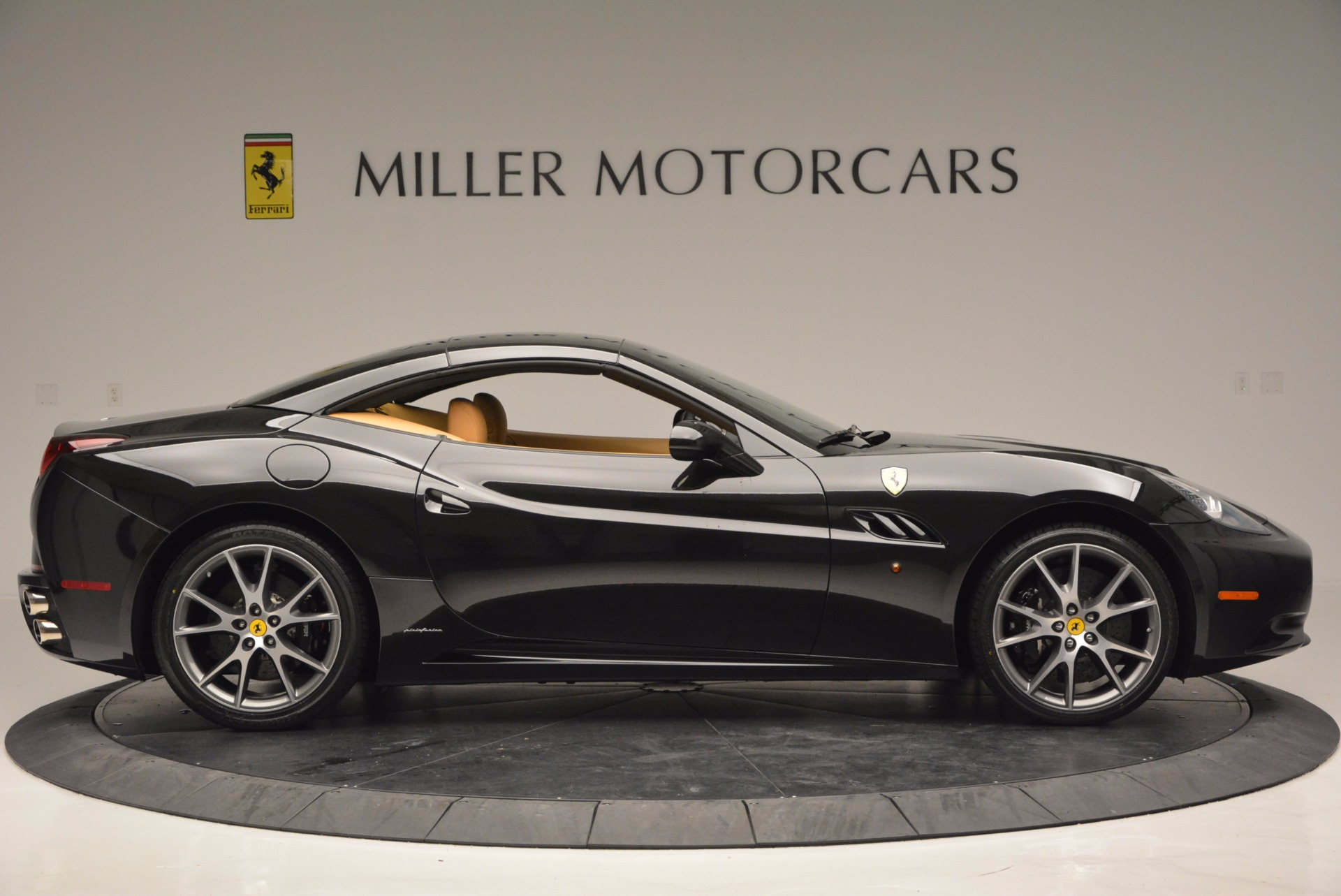 Used 2010 Ferrari California  For Sale In Greenwich, CT 705_p21