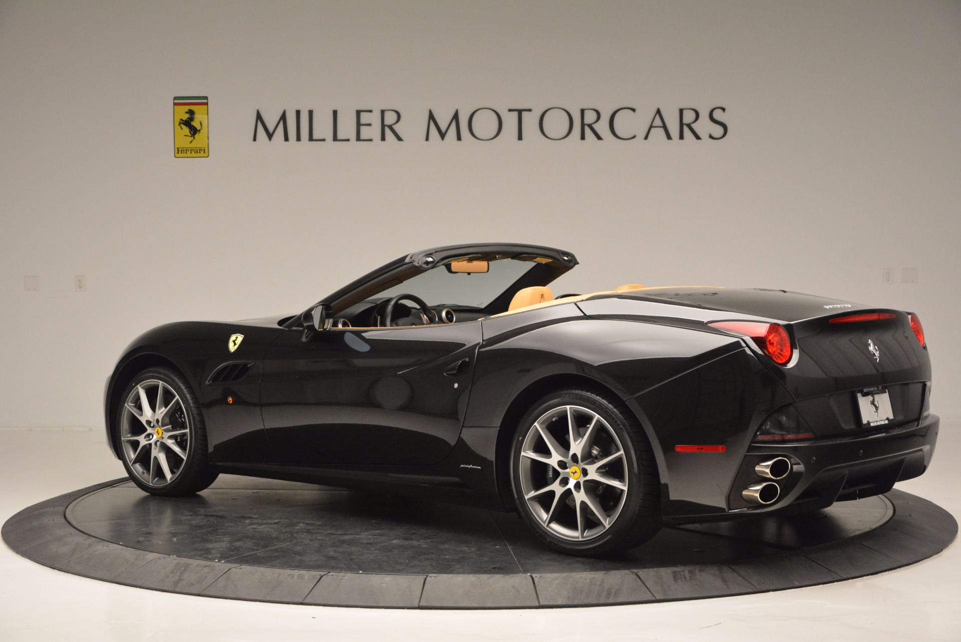 Used 2010 Ferrari California  For Sale In Greenwich, CT 705_p4