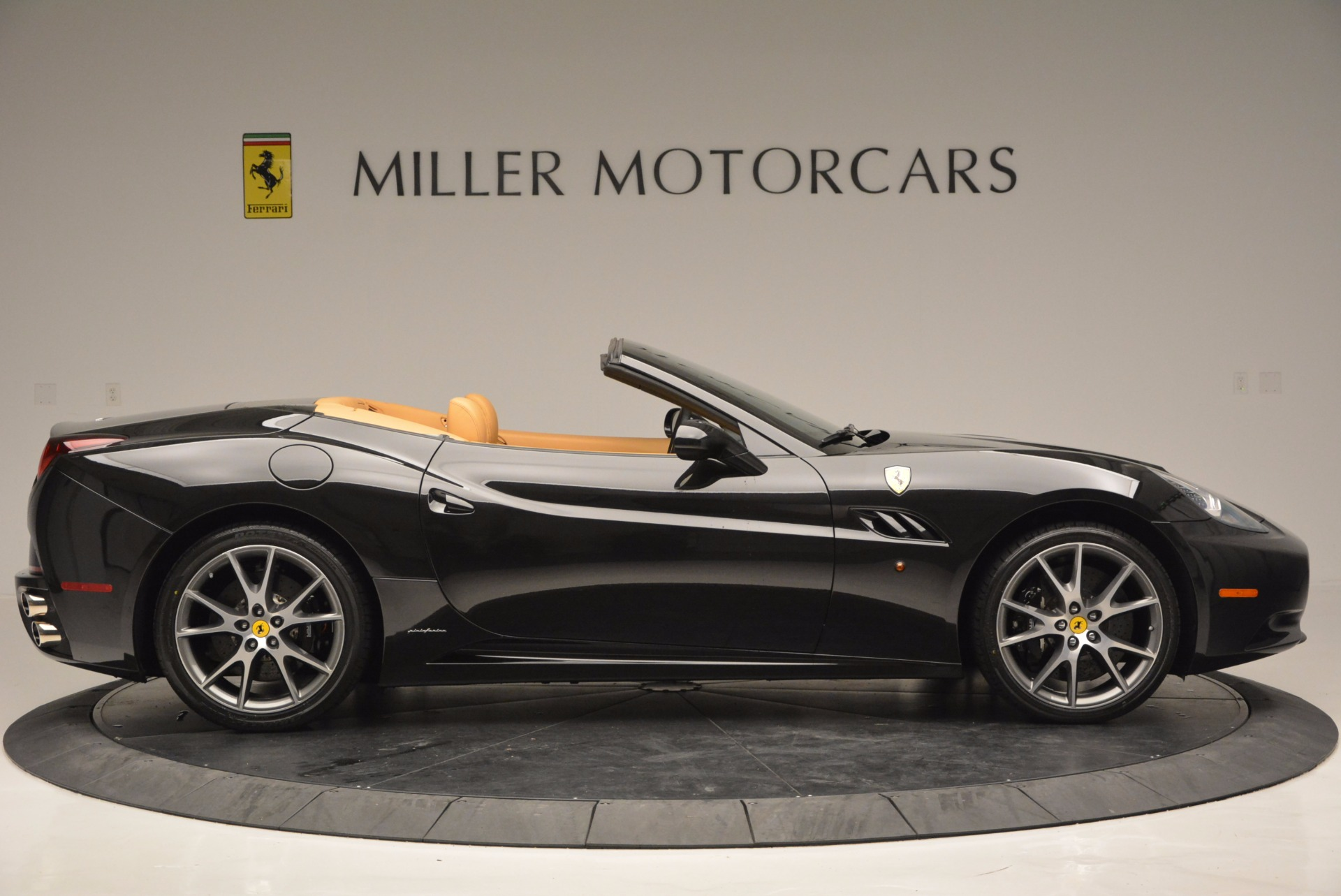 Used 2010 Ferrari California  For Sale In Greenwich, CT 705_p9