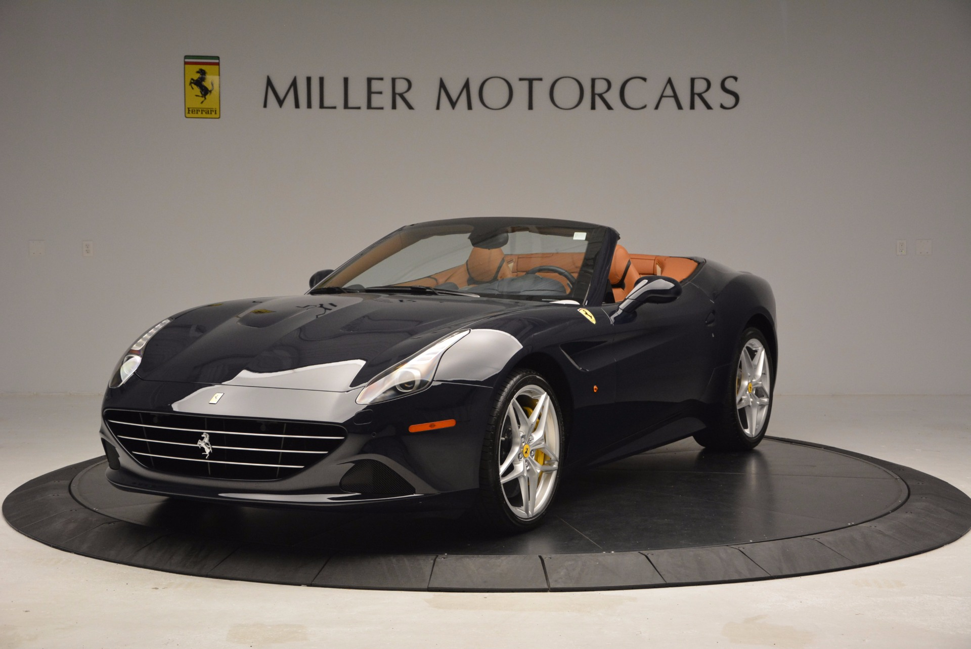 Used 2015 Ferrari California T  For Sale In Greenwich, CT 737_main