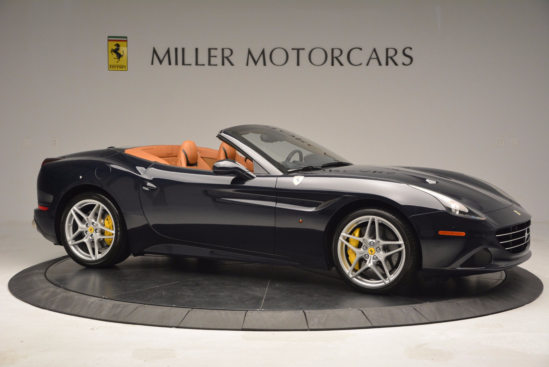 Used 2015 Ferrari California T  For Sale In Greenwich, CT 737_p10