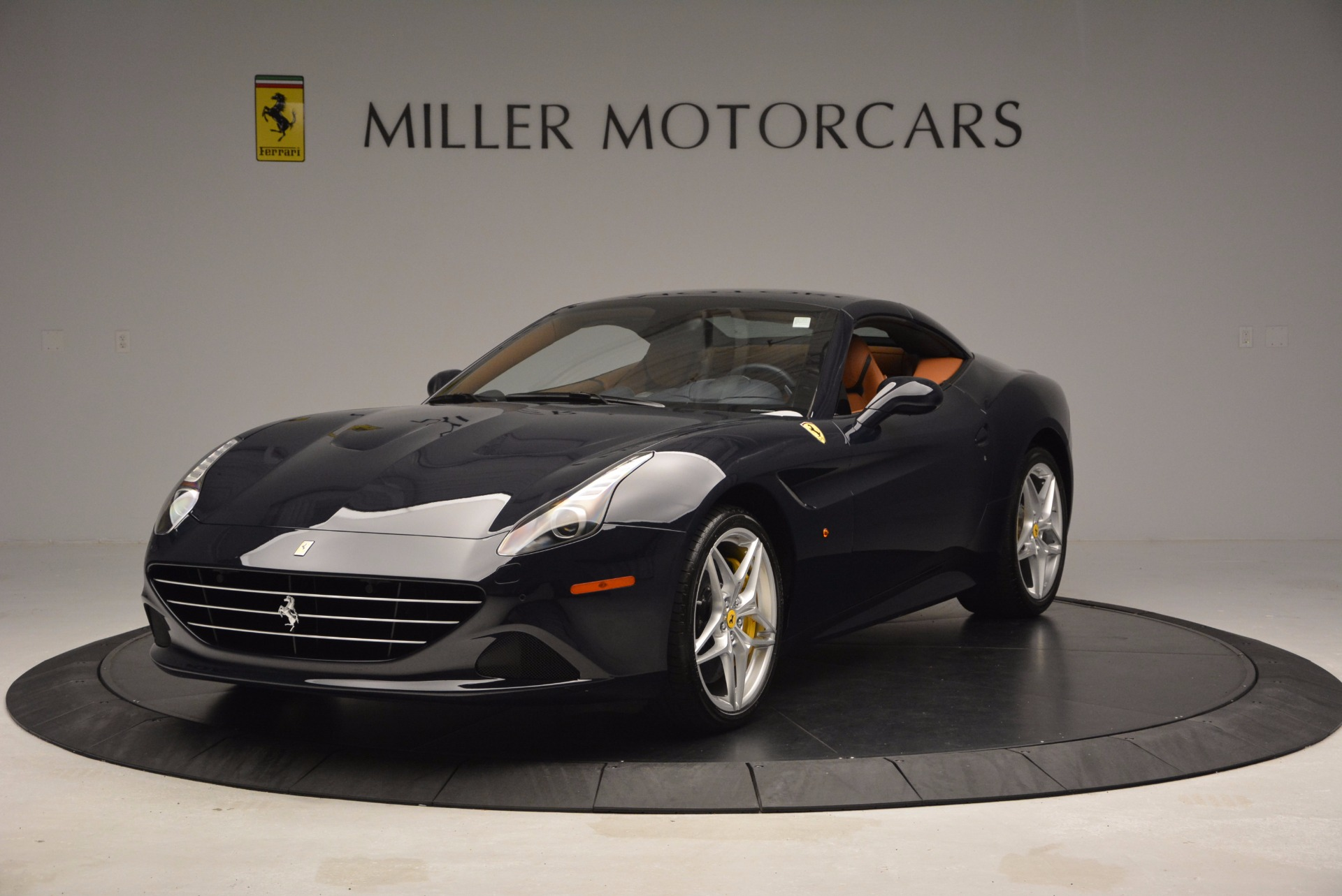 Used 2015 Ferrari California T  For Sale In Greenwich, CT 737_p13