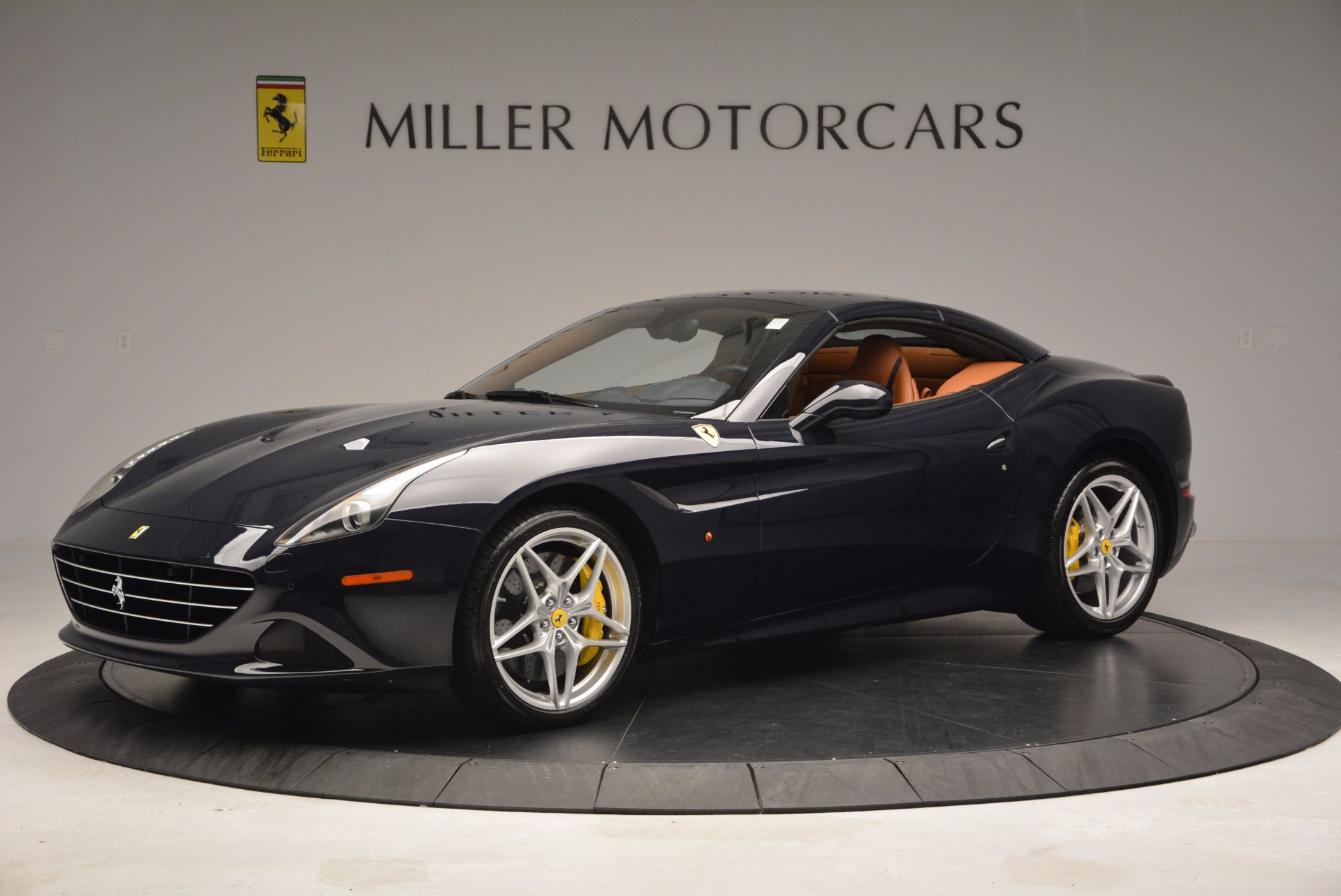 Used 2015 Ferrari California T  For Sale In Greenwich, CT 737_p14