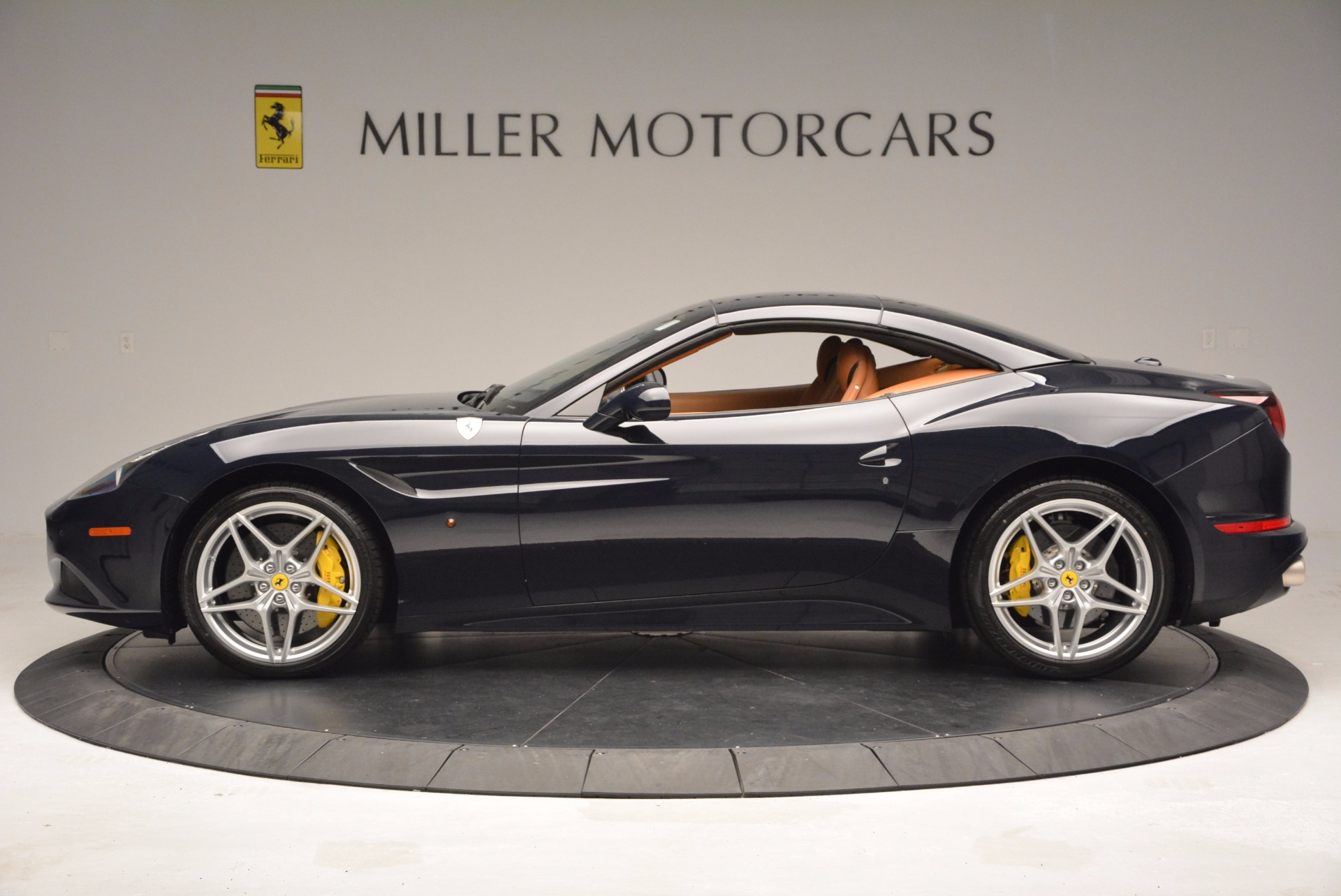 Used 2015 Ferrari California T  For Sale In Greenwich, CT 737_p15