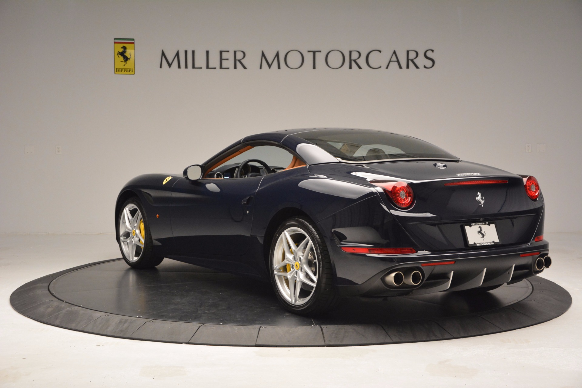 Used 2015 Ferrari California T  For Sale In Greenwich, CT 737_p17