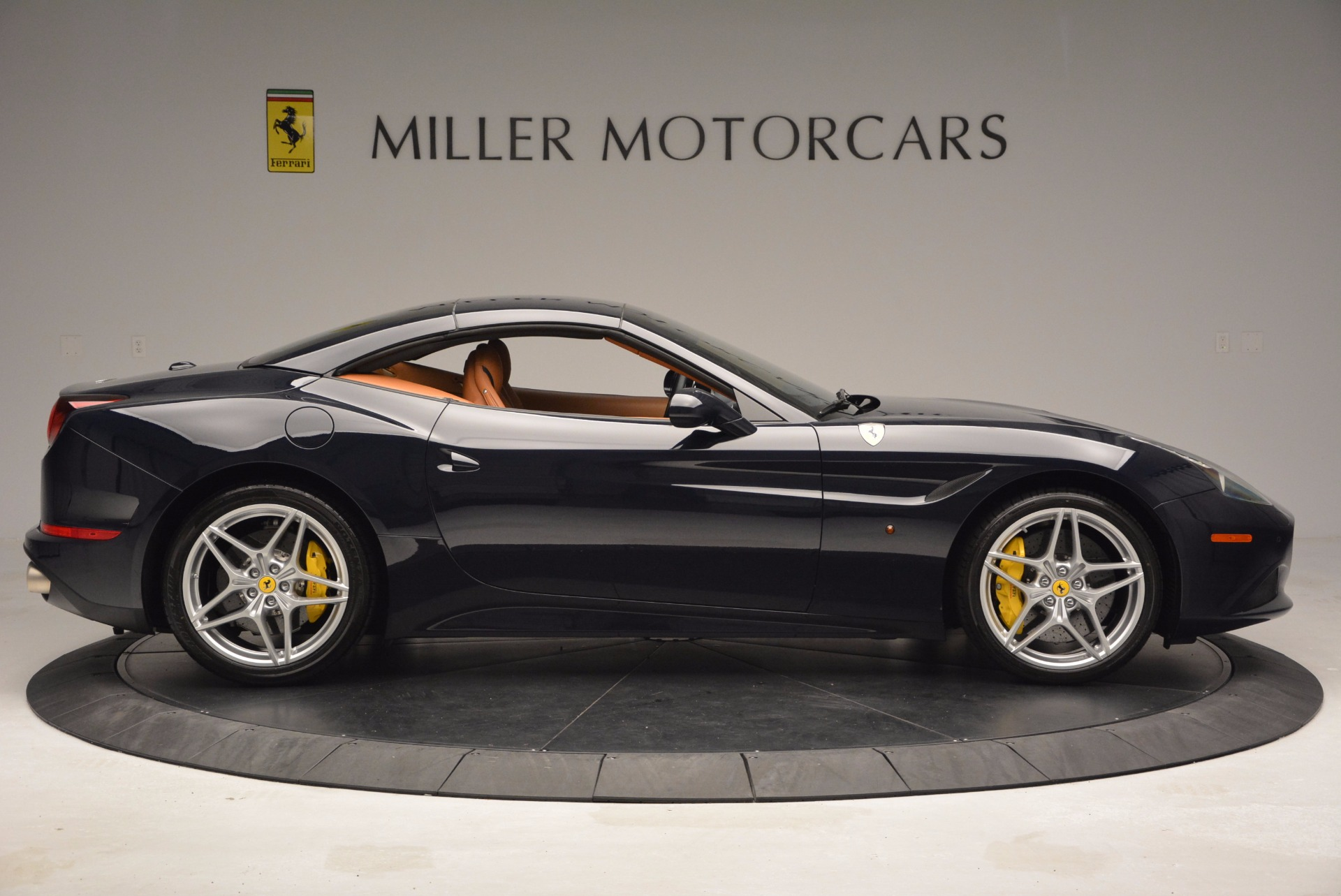 Used 2015 Ferrari California T  For Sale In Greenwich, CT 737_p21