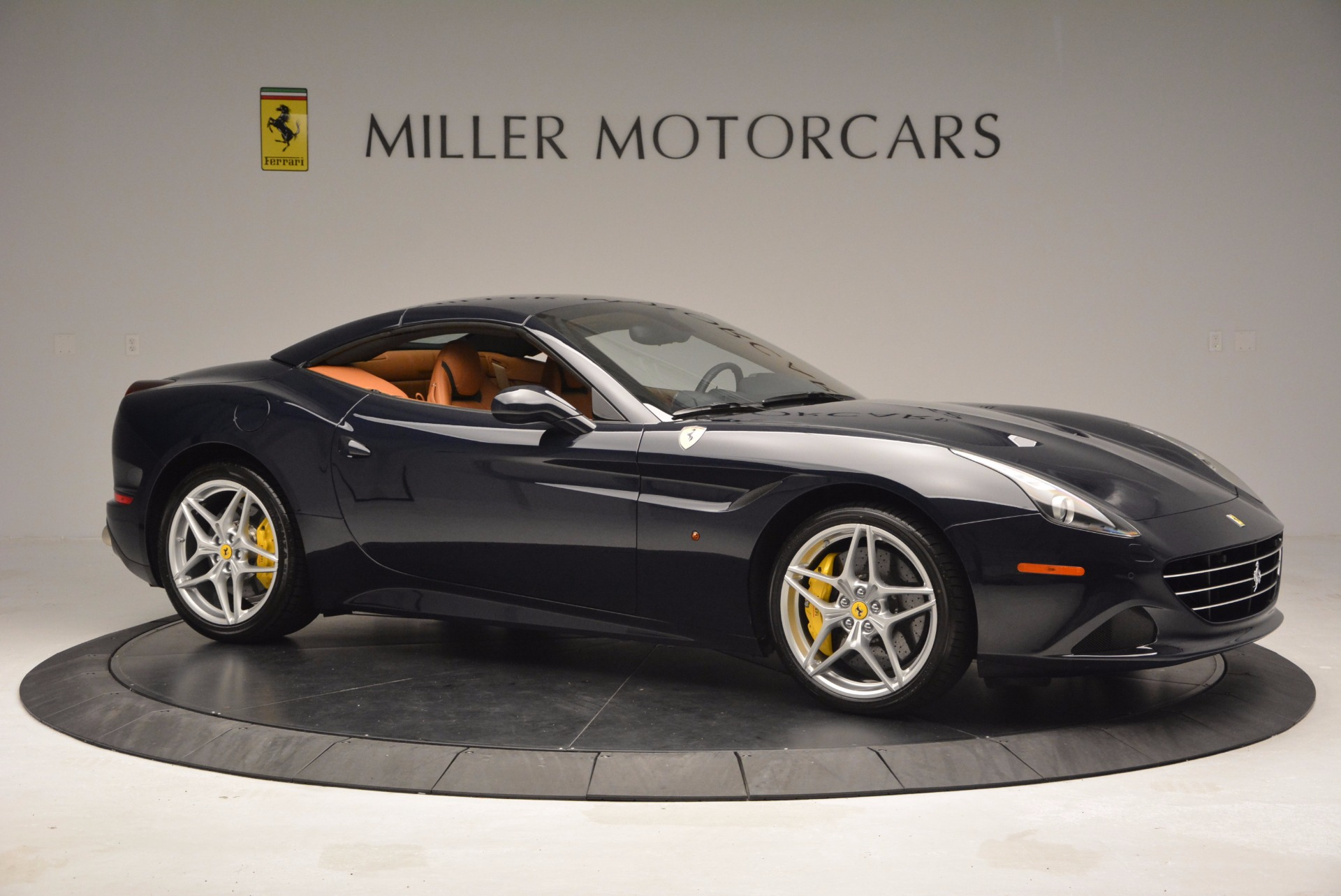 Used 2015 Ferrari California T  For Sale In Greenwich, CT 737_p22