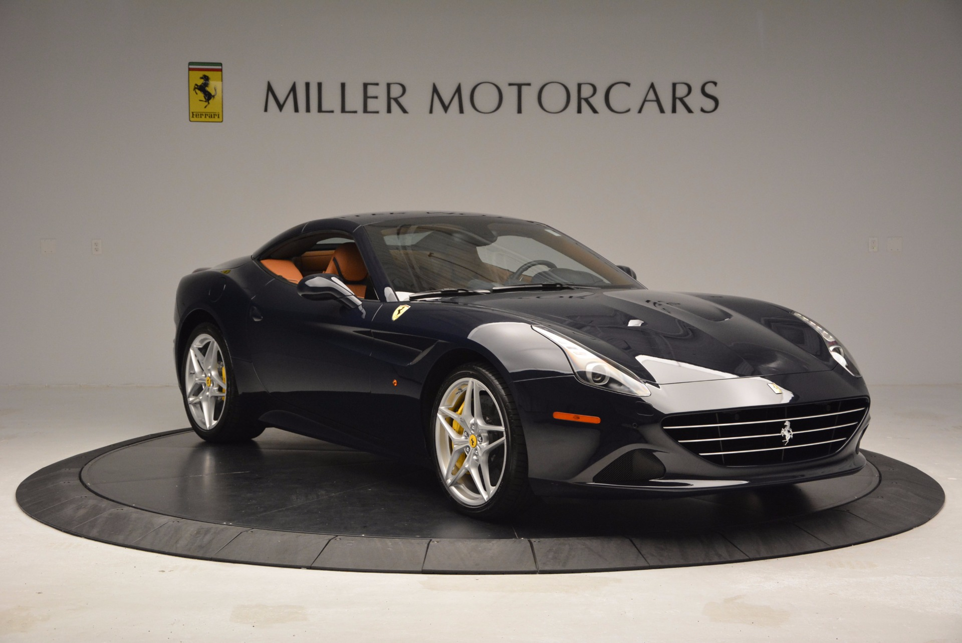 Used 2015 Ferrari California T  For Sale In Greenwich, CT 737_p23