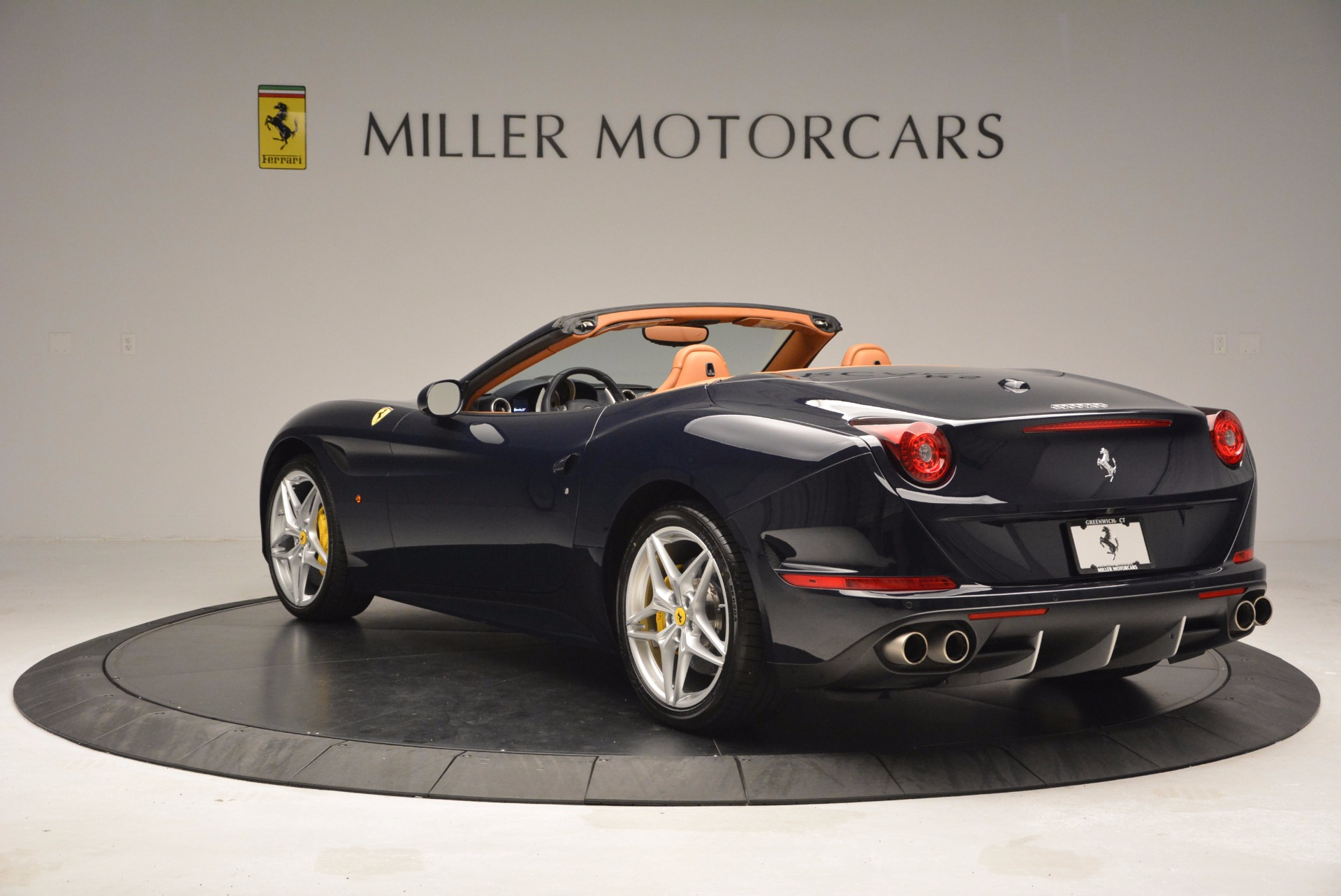Used 2015 Ferrari California T  For Sale In Greenwich, CT 737_p5