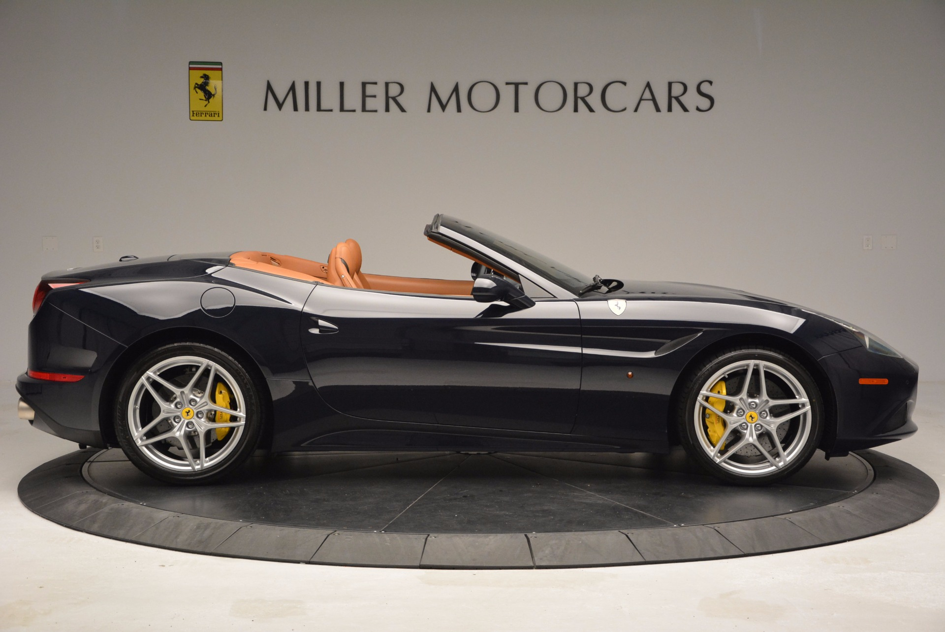 Used 2015 Ferrari California T  For Sale In Greenwich, CT 737_p9