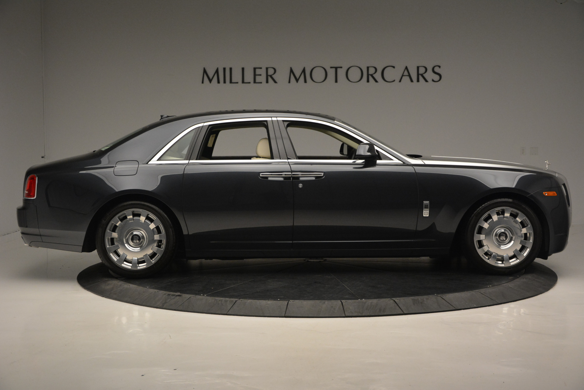 Used 2013 Rolls-Royce Ghost  For Sale In Greenwich, CT 739_p10