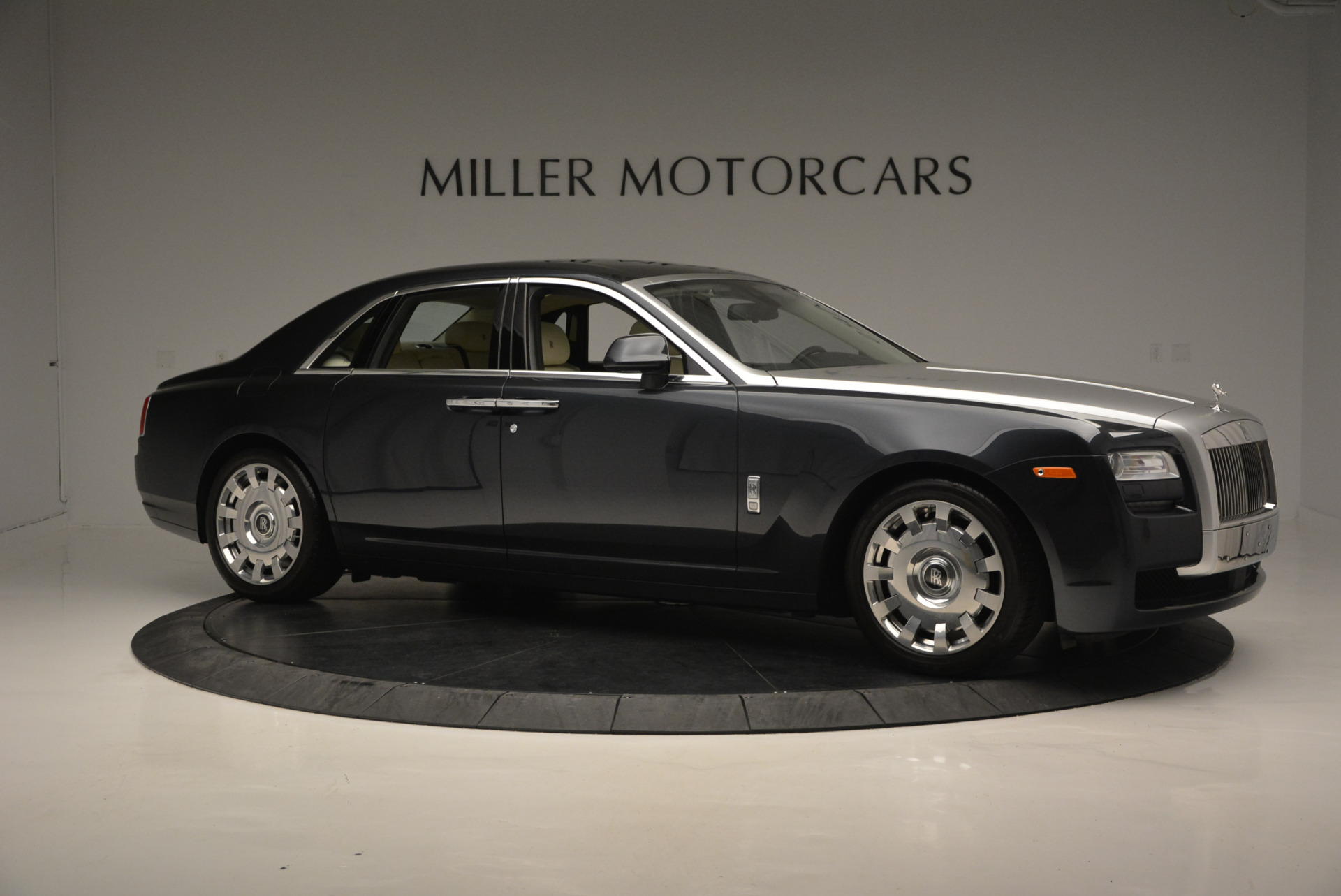 Used 2013 Rolls-Royce Ghost  For Sale In Greenwich, CT 739_p11