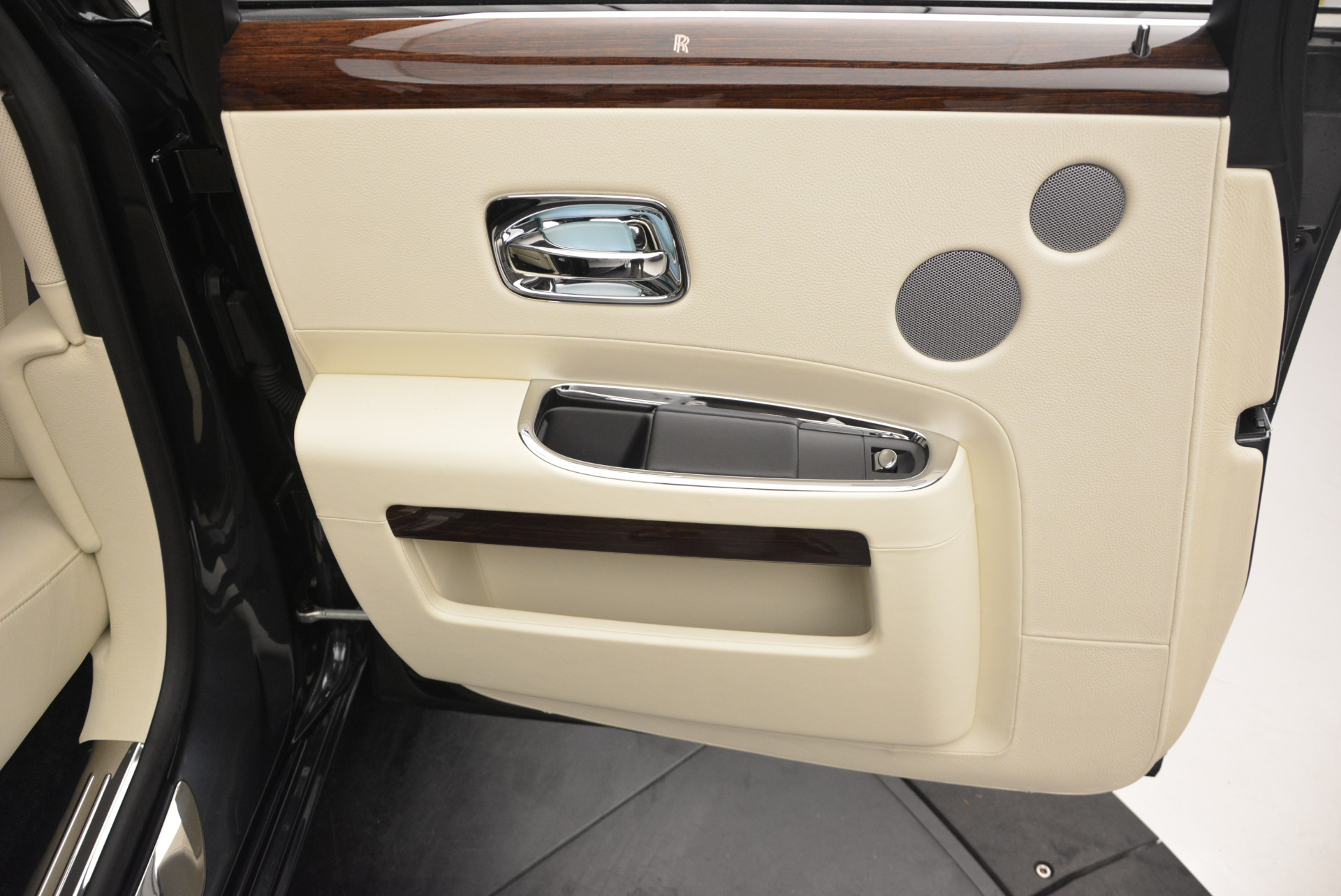 Used 2013 Rolls-Royce Ghost  For Sale In Greenwich, CT 739_p26