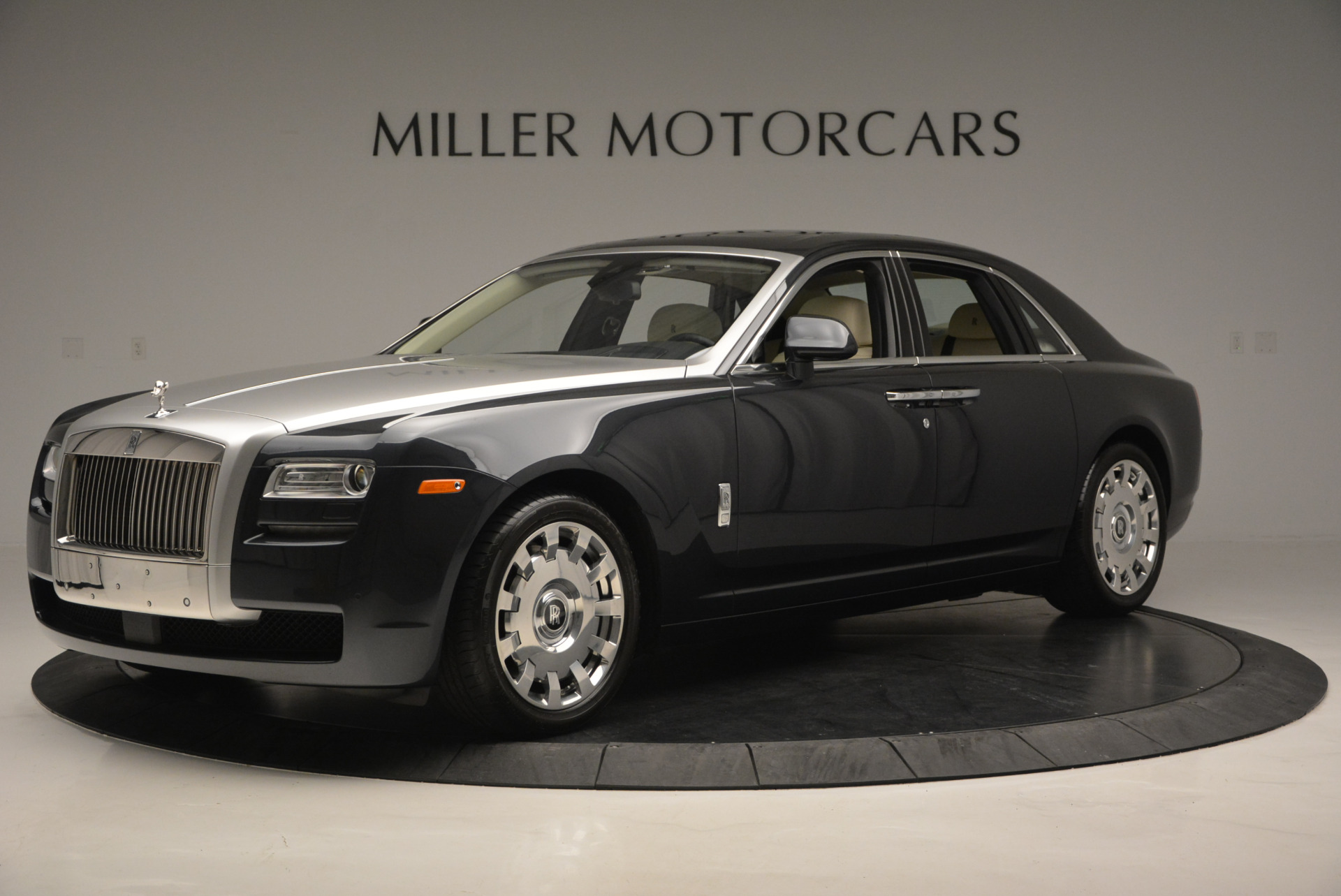 Used 2013 Rolls-Royce Ghost  For Sale In Greenwich, CT 739_p2