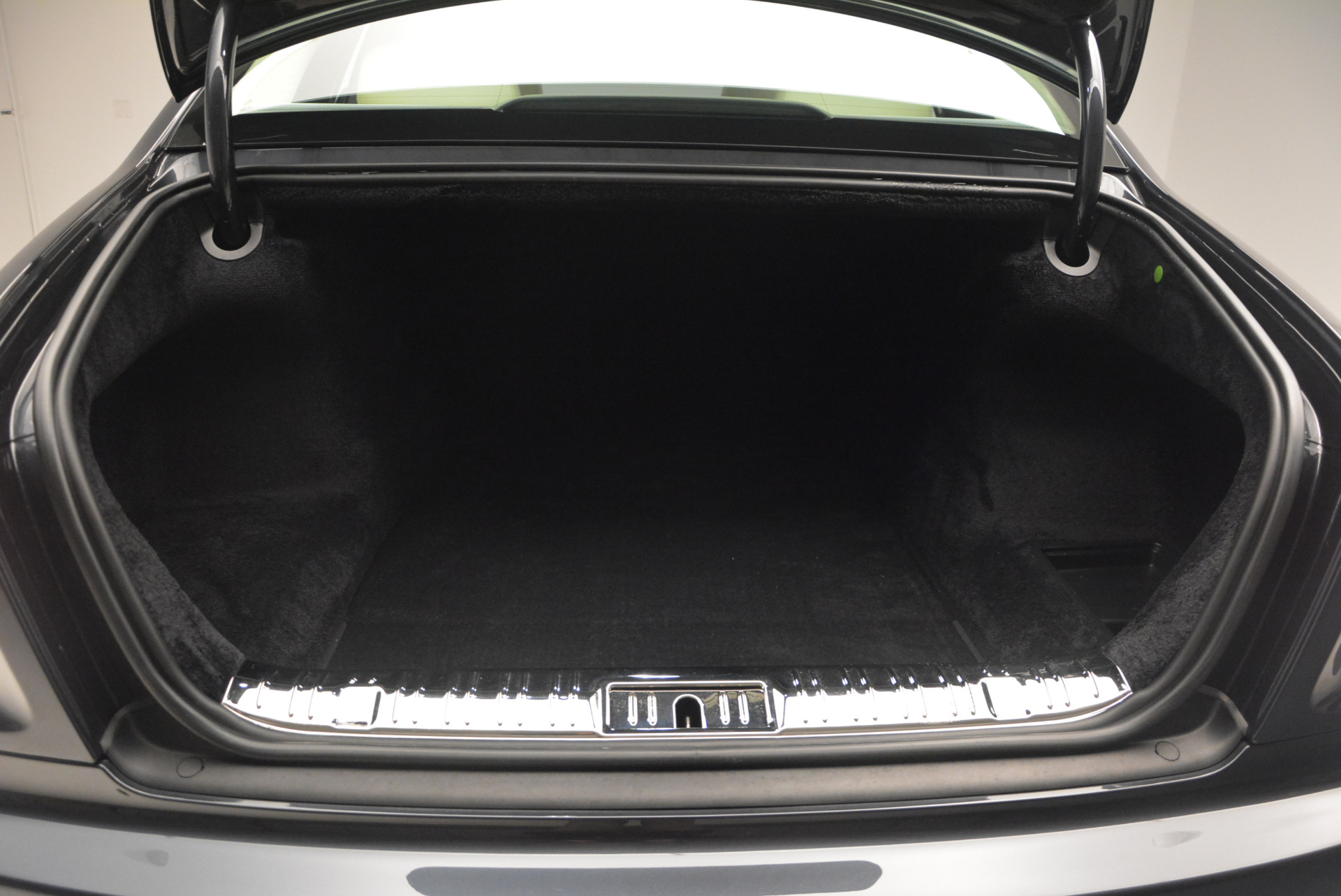Used 2013 Rolls-Royce Ghost  For Sale In Greenwich, CT 739_p38