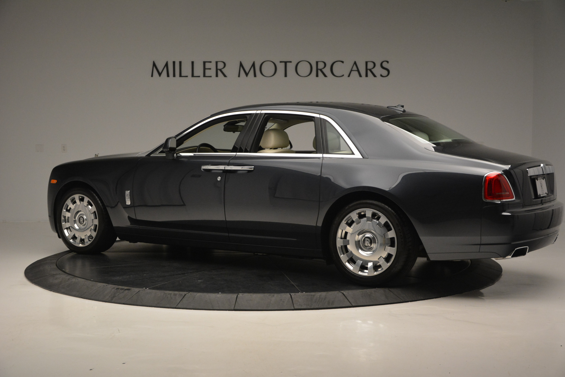 Used 2013 Rolls-Royce Ghost  For Sale In Greenwich, CT 739_p5