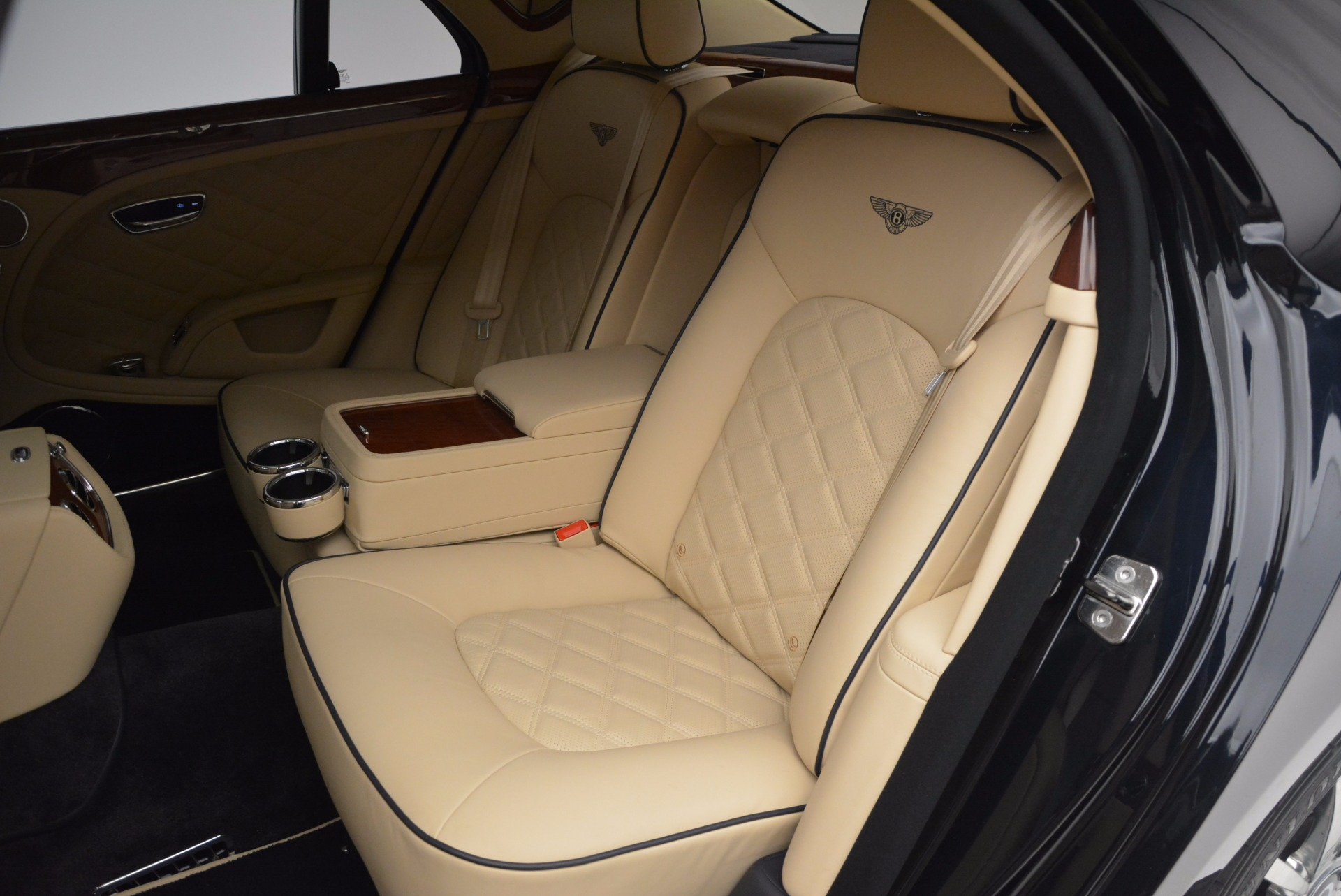 Used 2016 Bentley Mulsanne  For Sale In Greenwich, CT 742_p24