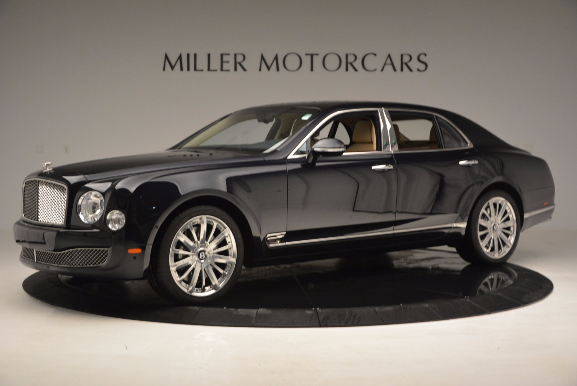 Used 2016 Bentley Mulsanne  For Sale In Greenwich, CT 742_p2