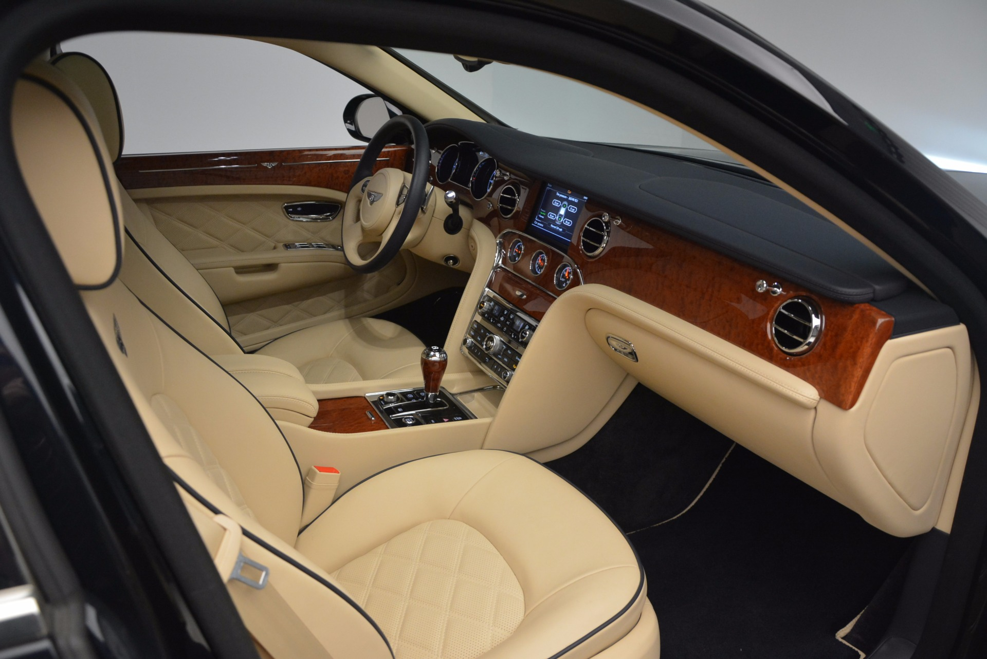 Used 2016 Bentley Mulsanne  For Sale In Greenwich, CT 742_p31