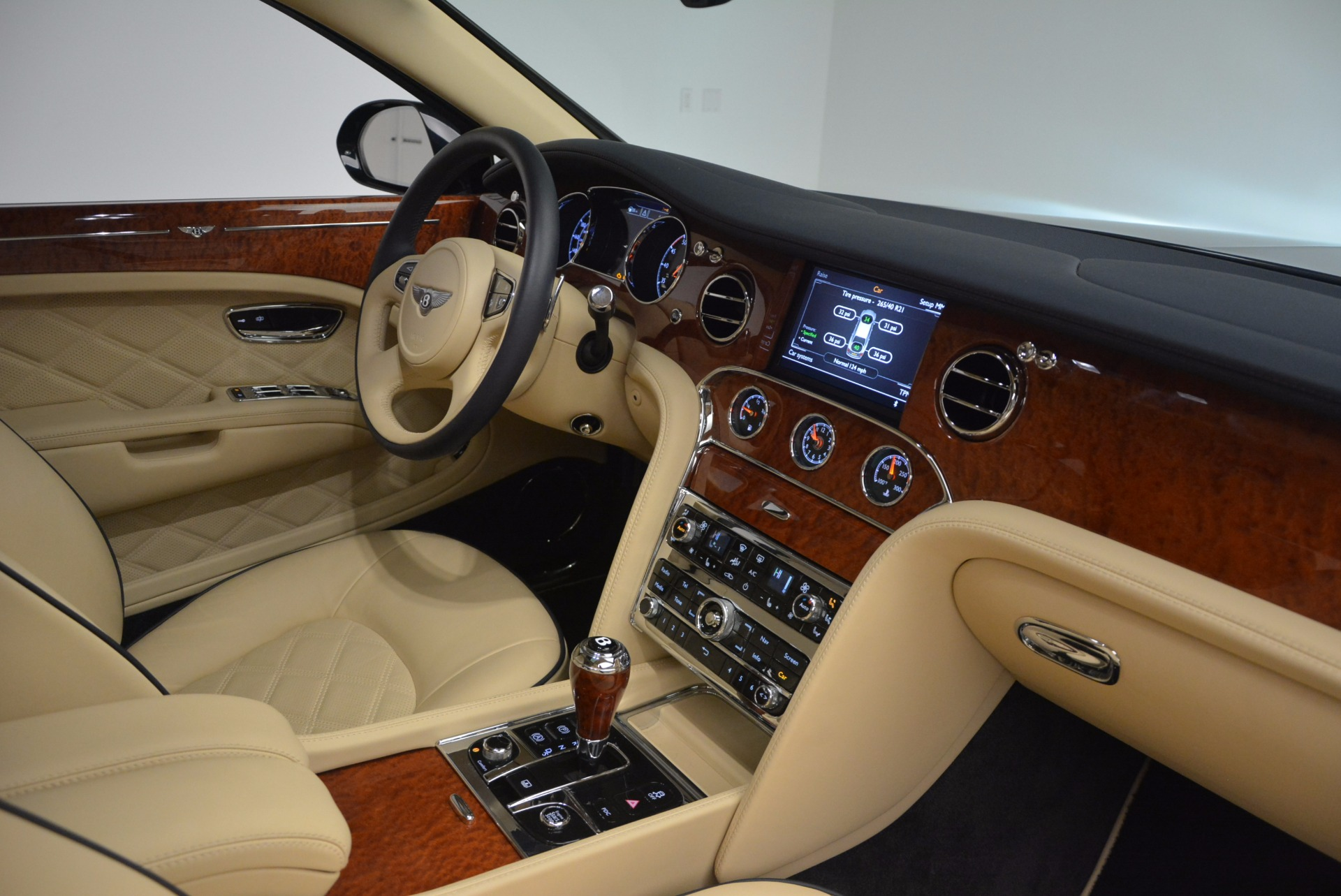 Used 2016 Bentley Mulsanne  For Sale In Greenwich, CT 742_p32