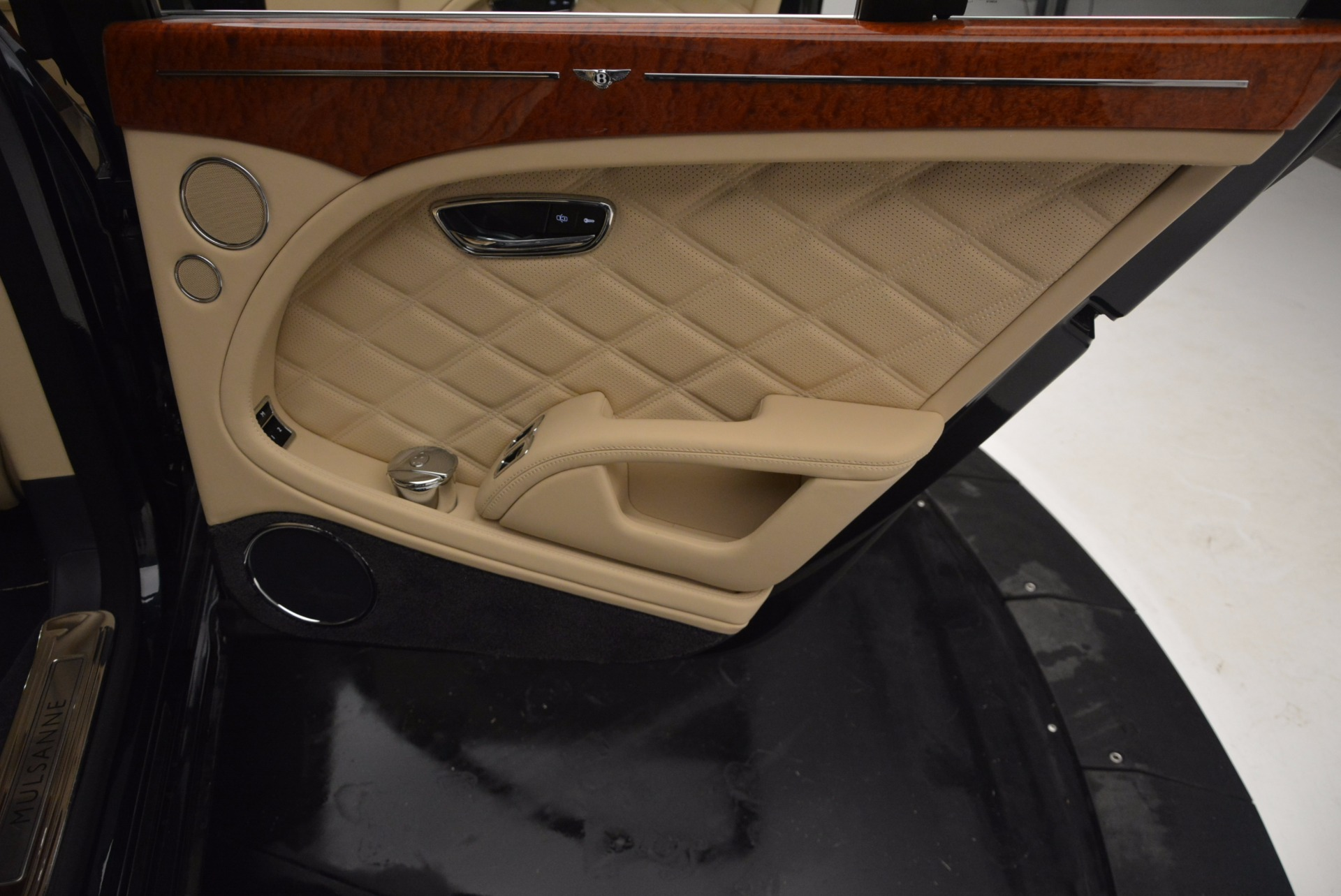 Used 2016 Bentley Mulsanne  For Sale In Greenwich, CT 742_p33