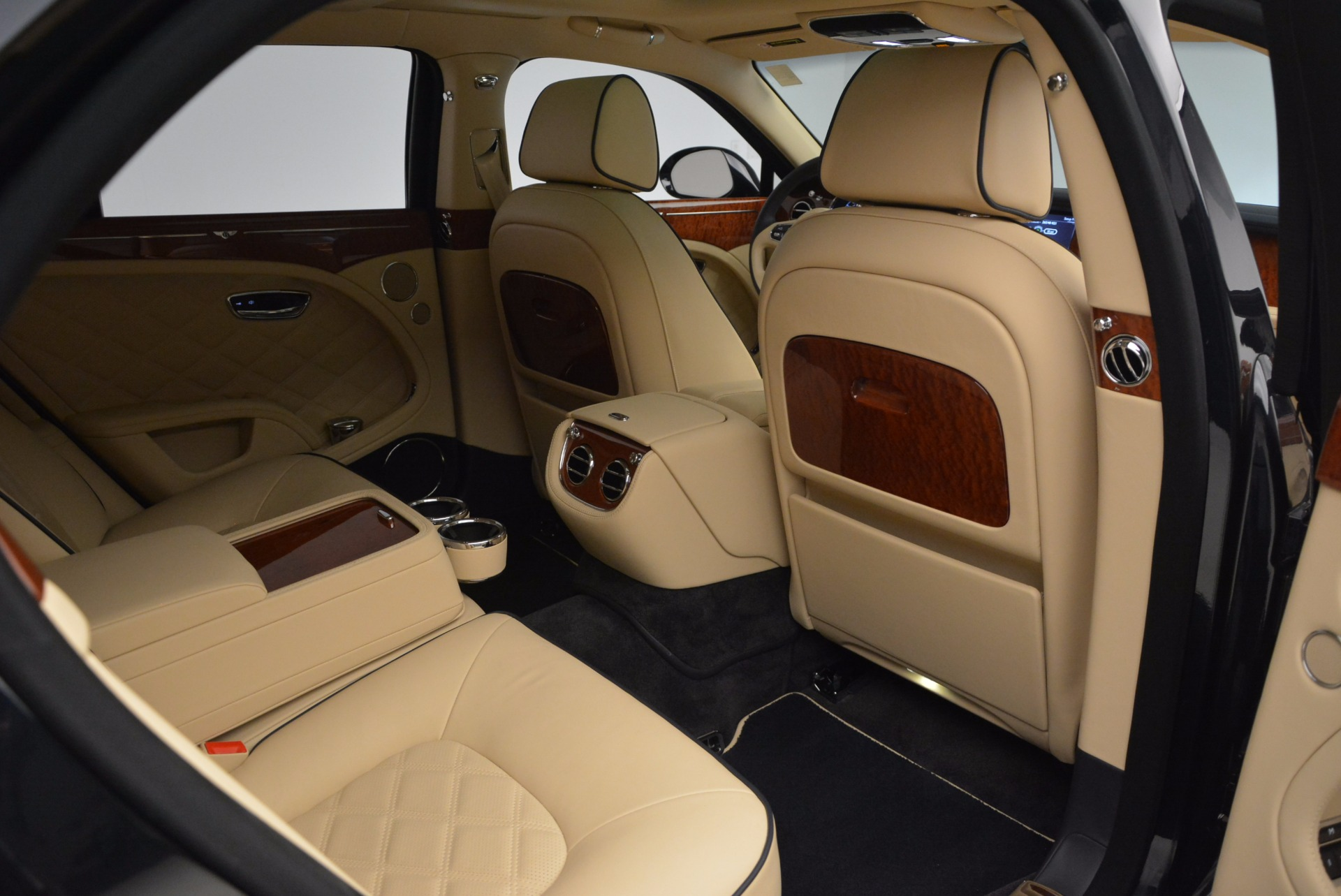 Used 2016 Bentley Mulsanne  For Sale In Greenwich, CT 742_p36
