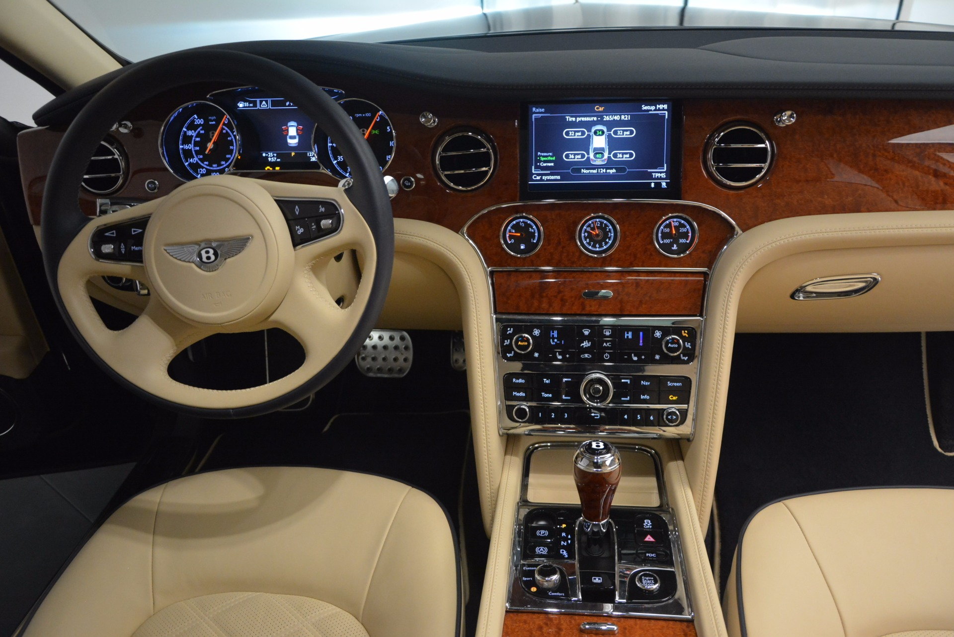 Used 2016 Bentley Mulsanne  For Sale In Greenwich, CT 742_p38