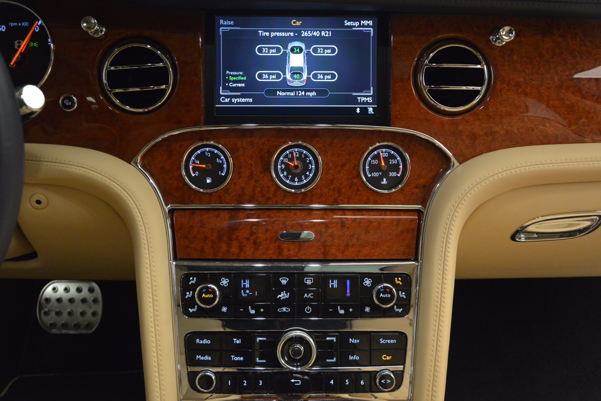 Used 2016 Bentley Mulsanne  For Sale In Greenwich, CT 742_p39