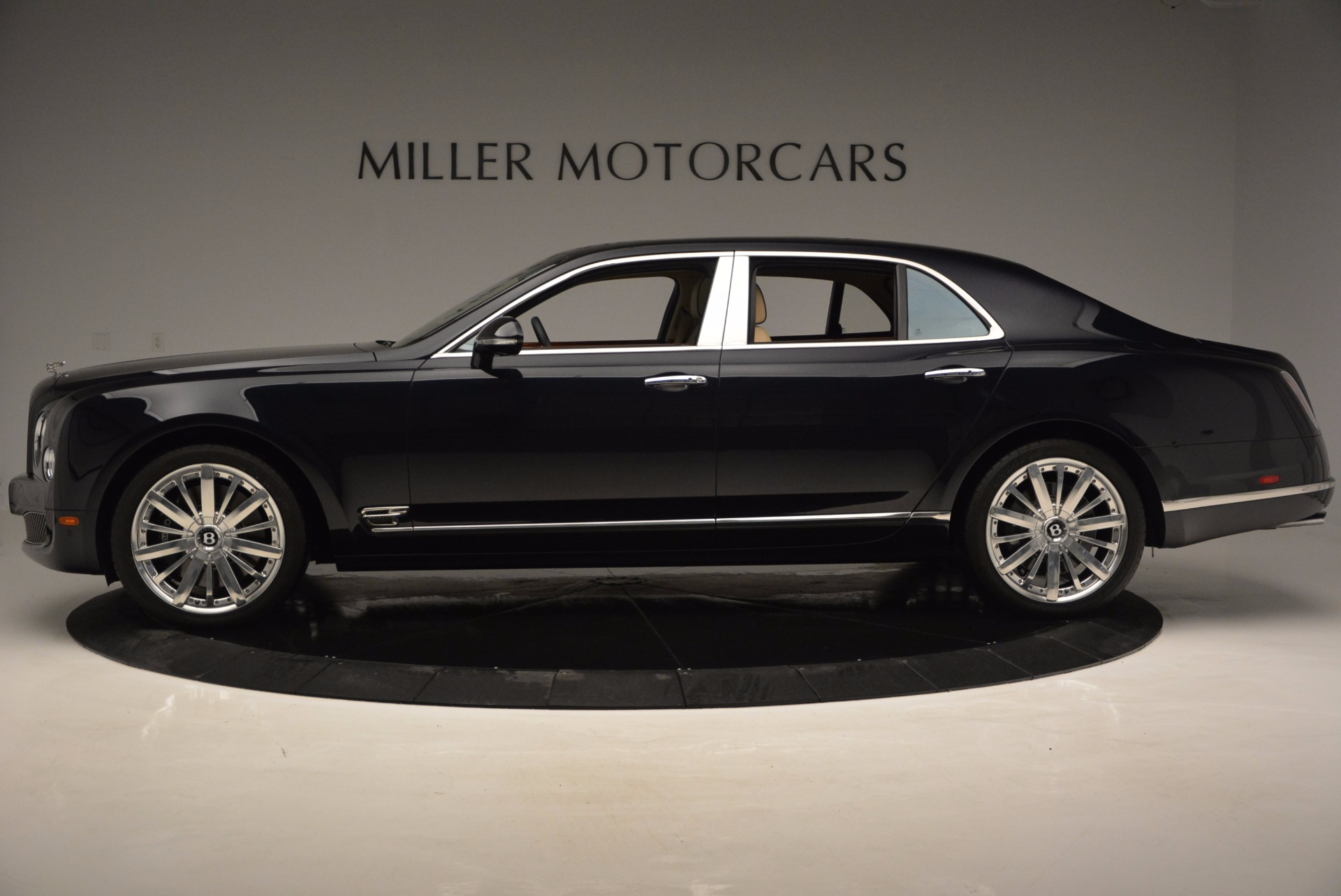 Used 2016 Bentley Mulsanne  For Sale In Greenwich, CT 742_p3