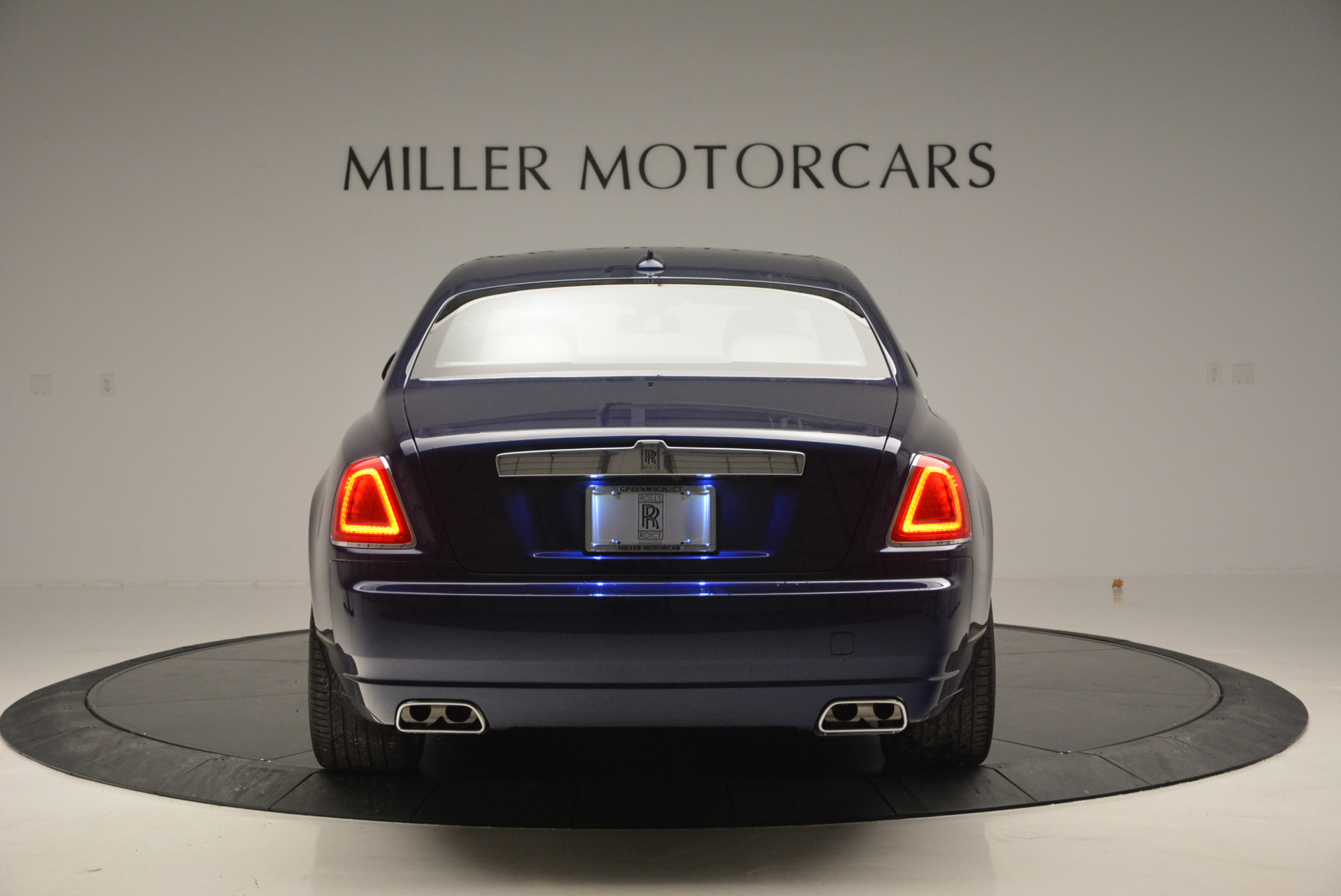 Used 2016 Rolls-Royce Ghost EWB For Sale In Greenwich, CT 746_p6