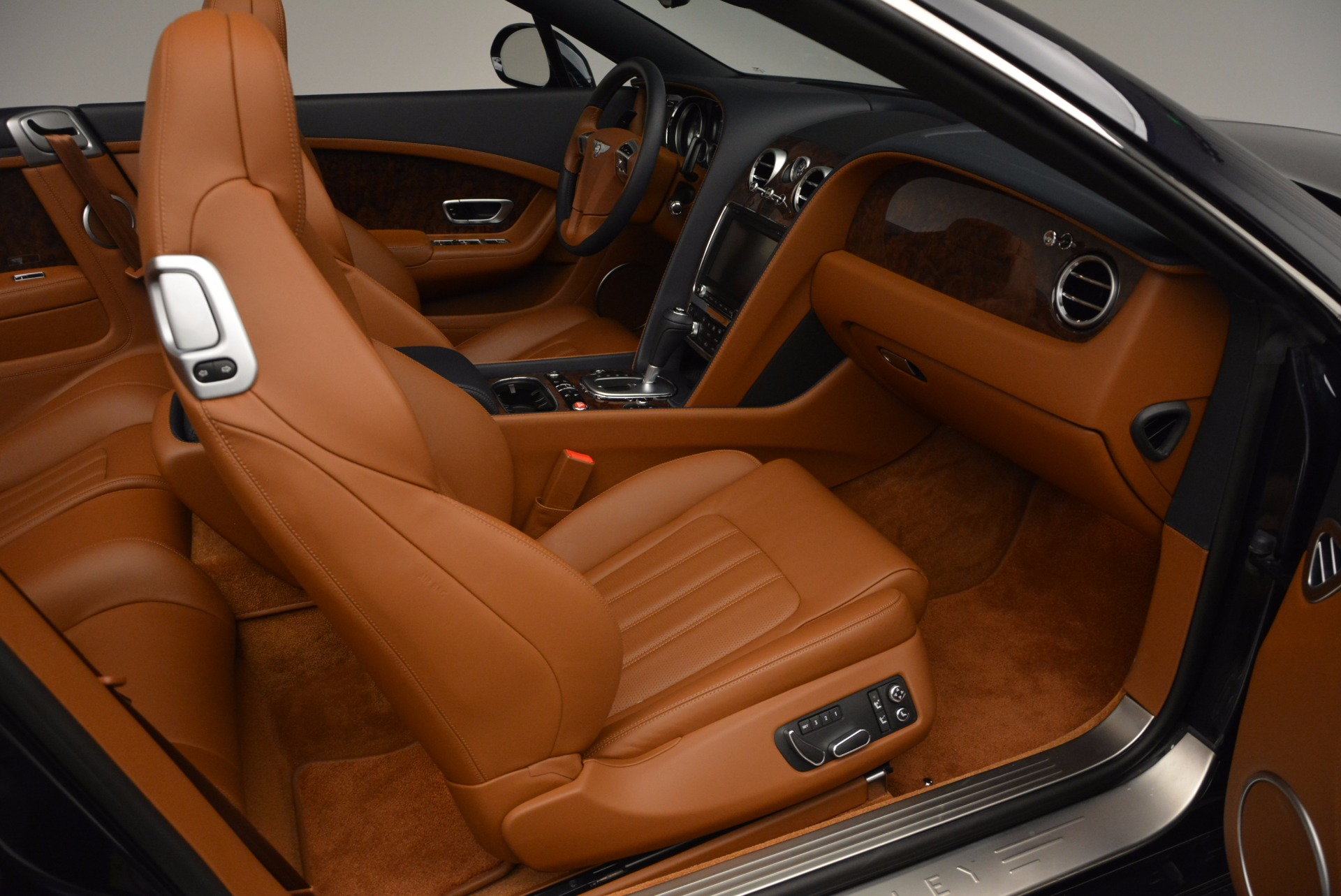 Used 2014 Bentley Continental GT V8 For Sale In Greenwich, CT 754_p44