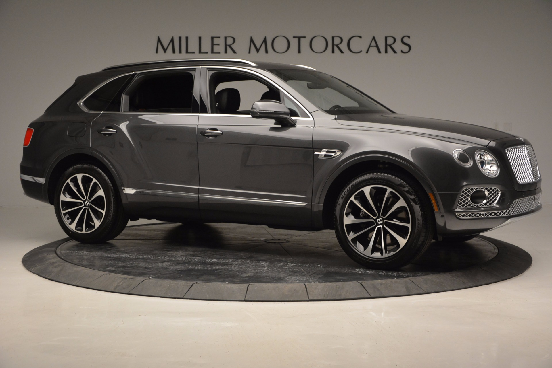 New 2017 Bentley Bentayga  For Sale In Greenwich, CT 755_p10