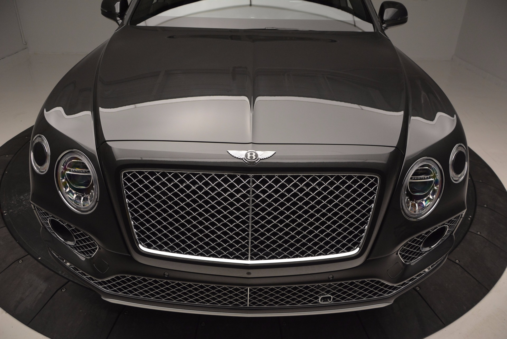 New 2017 Bentley Bentayga  For Sale In Greenwich, CT 755_p13