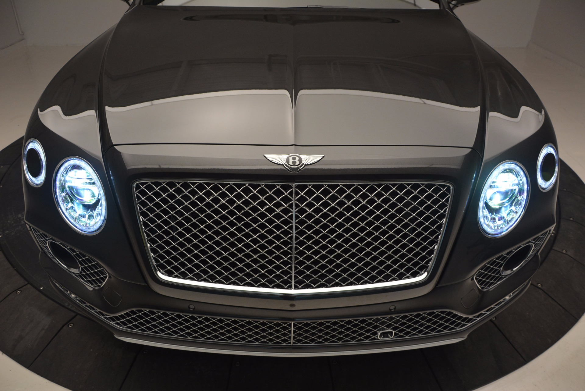 New 2017 Bentley Bentayga  For Sale In Greenwich, CT 755_p16
