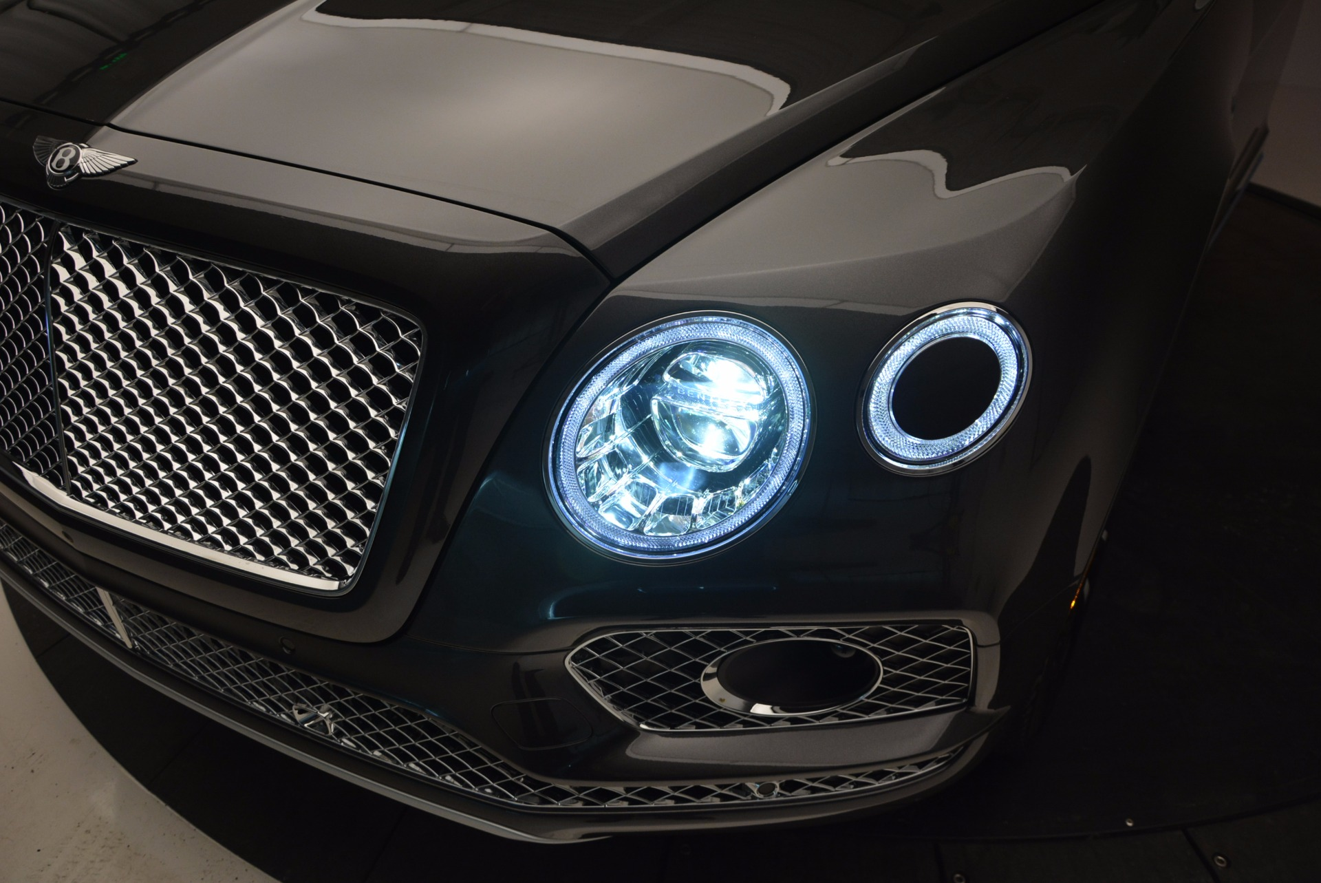 New 2017 Bentley Bentayga  For Sale In Greenwich, CT 755_p17