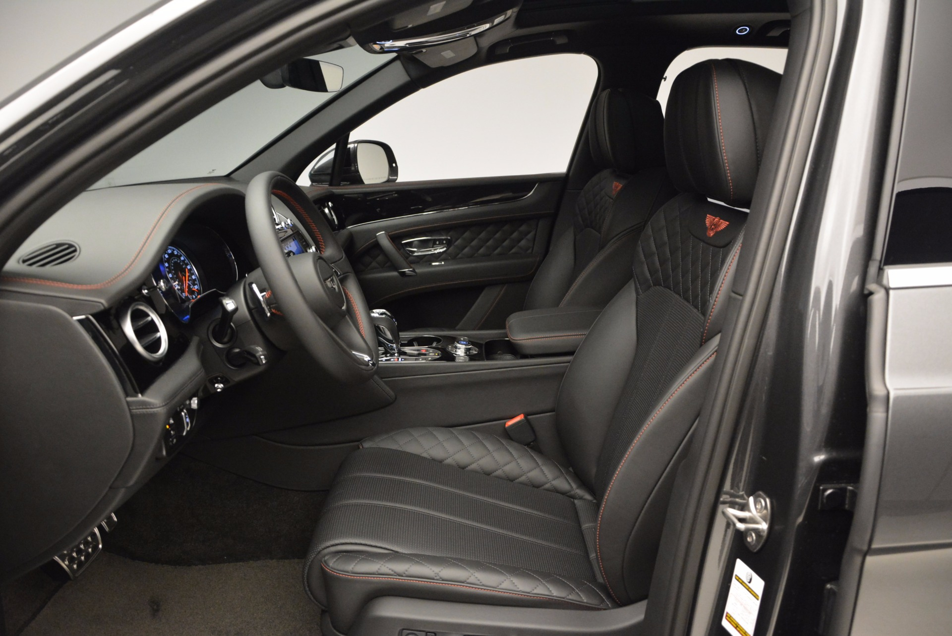 New 2017 Bentley Bentayga  For Sale In Greenwich, CT 755_p24