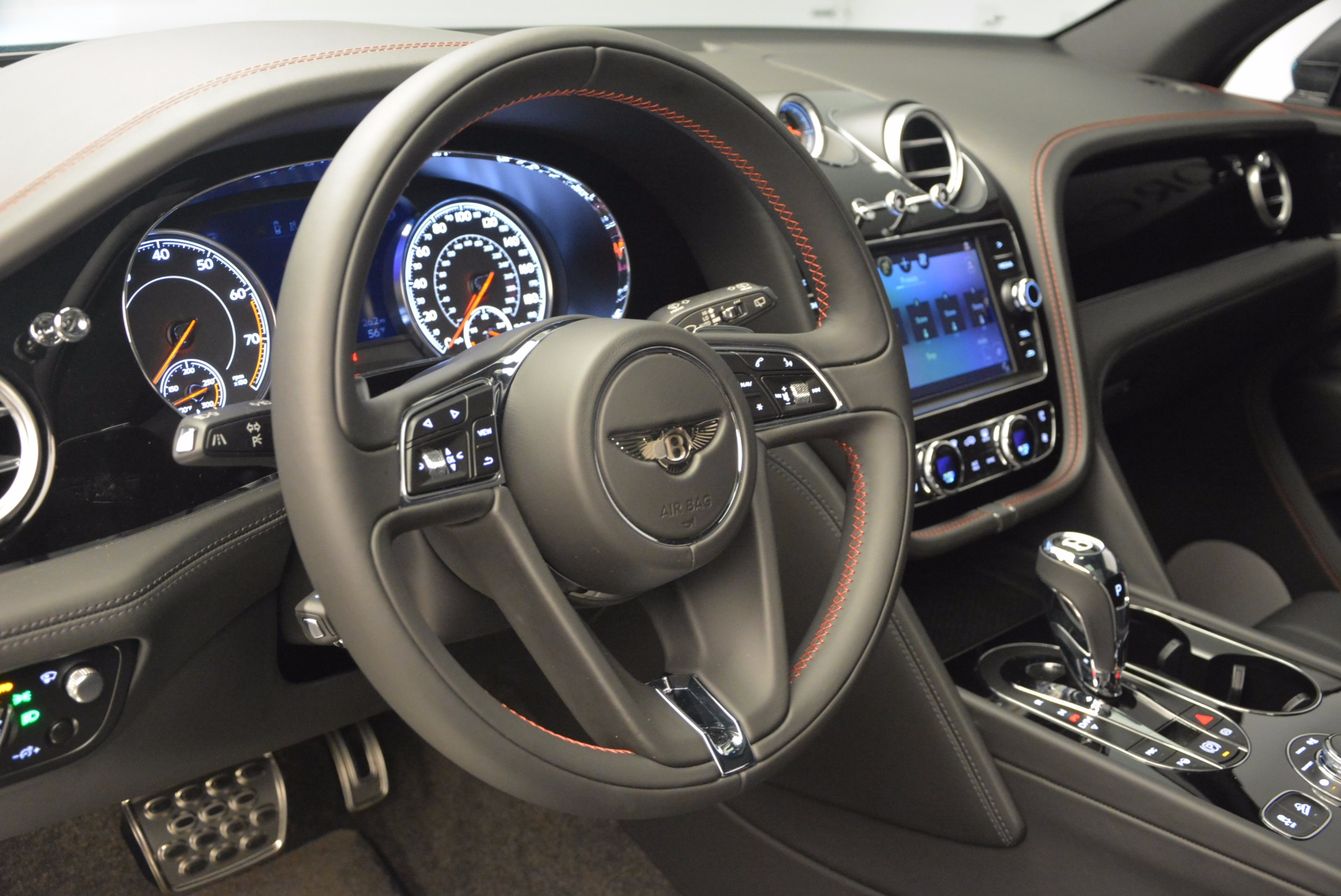 New 2017 Bentley Bentayga  For Sale In Greenwich, CT 755_p27