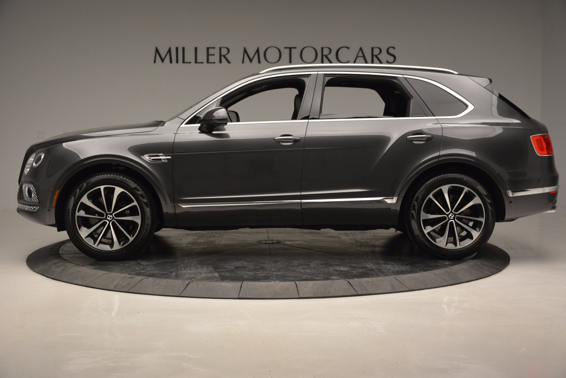 New 2017 Bentley Bentayga  For Sale In Greenwich, CT 755_p3