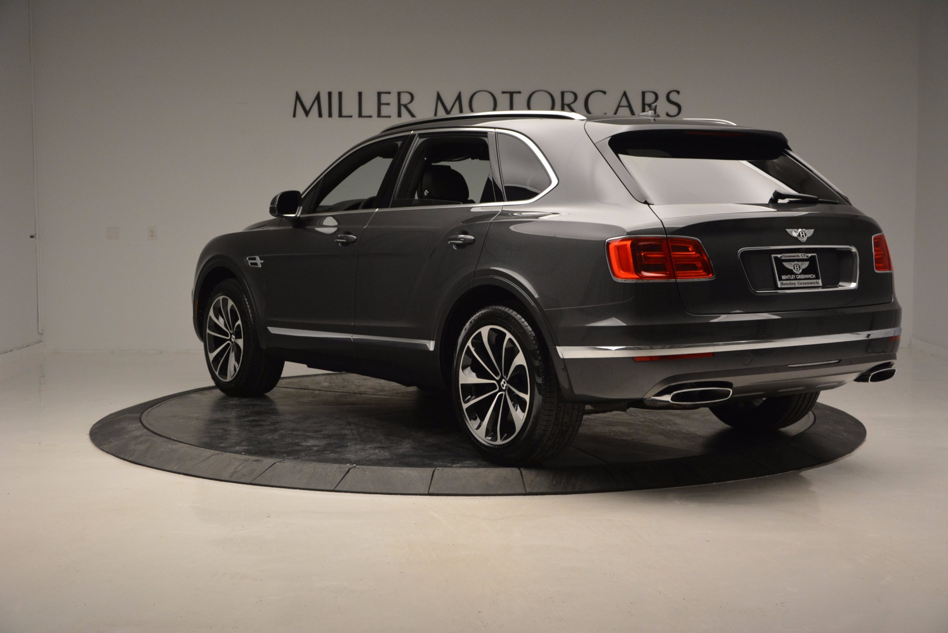 New 2017 Bentley Bentayga  For Sale In Greenwich, CT 755_p5